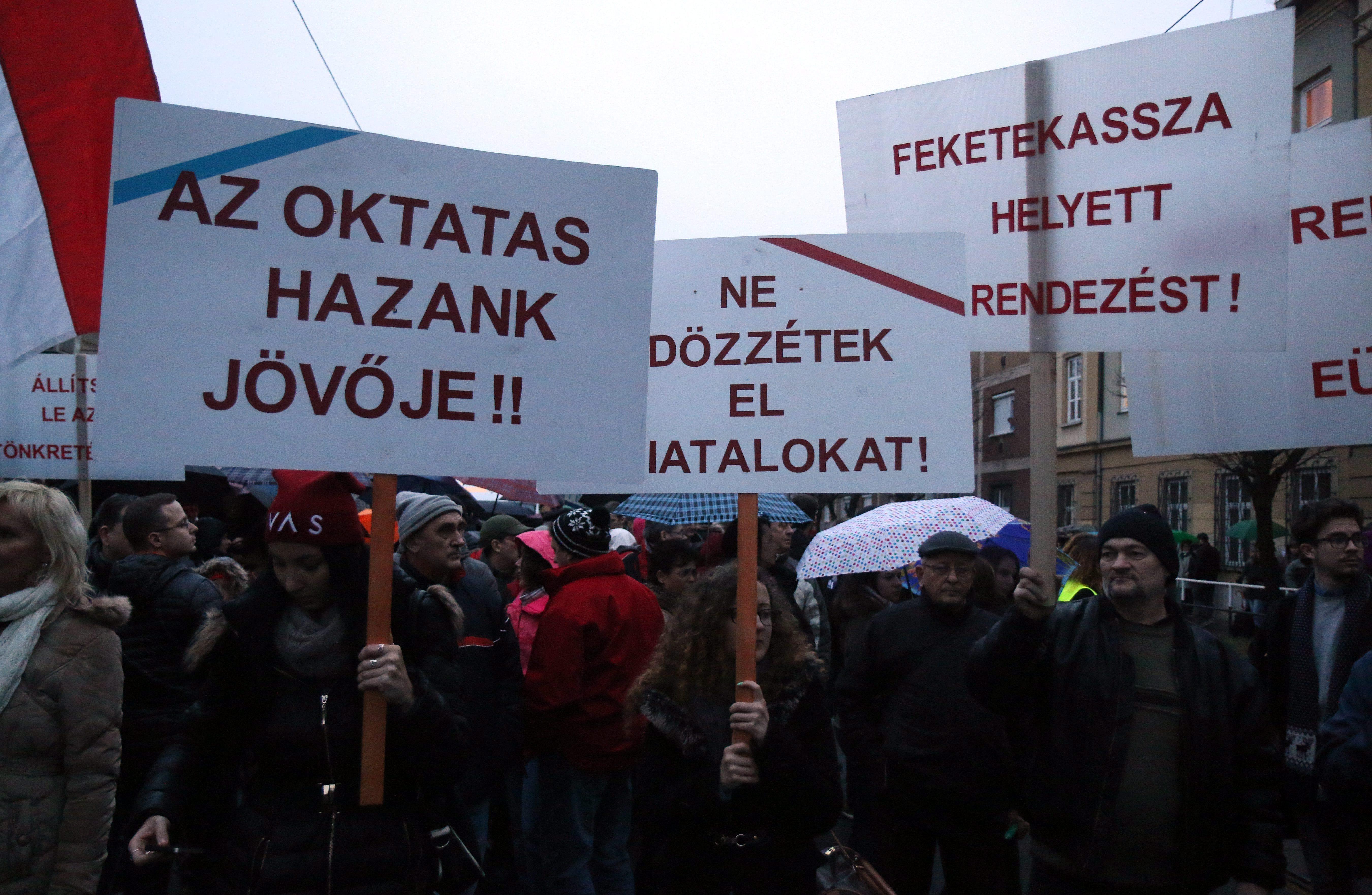 A tiltakozást elindító tanárok sokkal többet akarnak