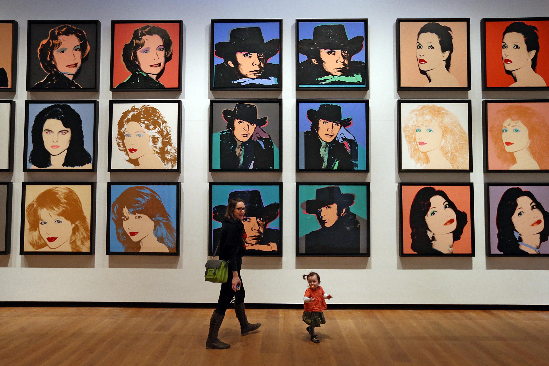 Vett egy kanapét a neten, de jött vele egy többmilliós Warhol-kép is