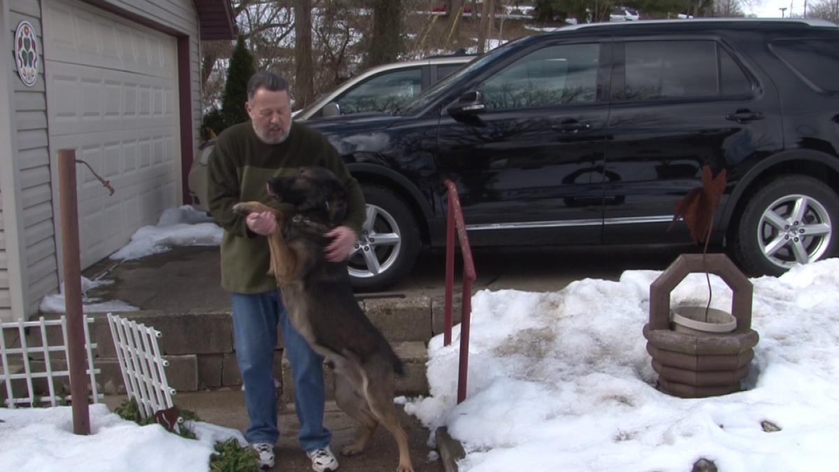 Együtt mehet nyugdíjba a rendőr és kutyája