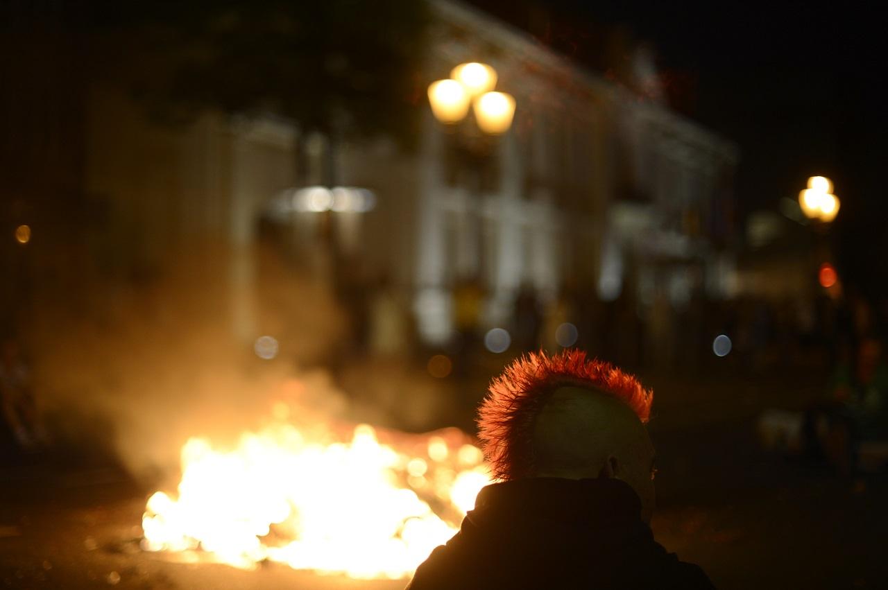 Két éjjelen át szélsőbaloldali anarchisták törtek-zúztak Berlinben