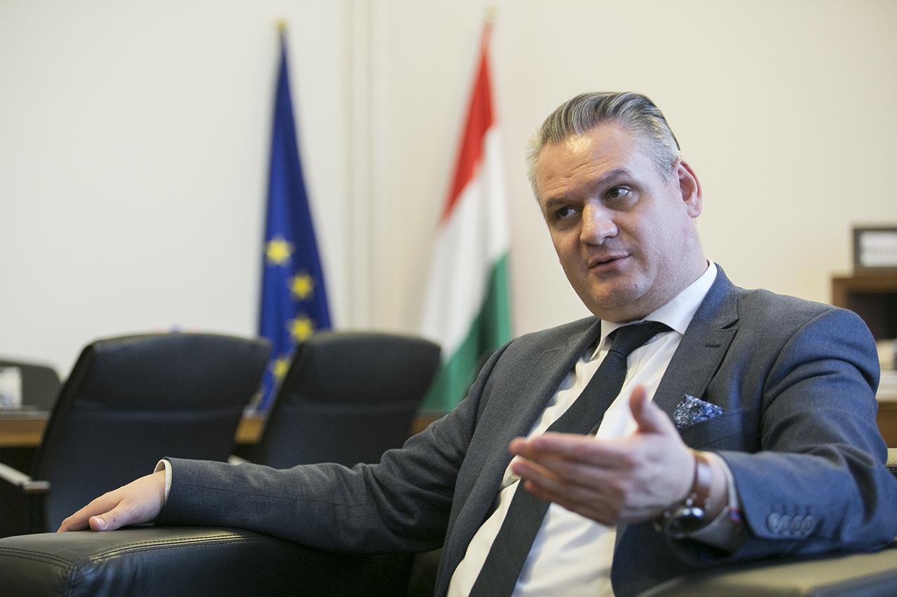 Mostantól lesz brexitügyi miniszteri biztosa Magyarországnak