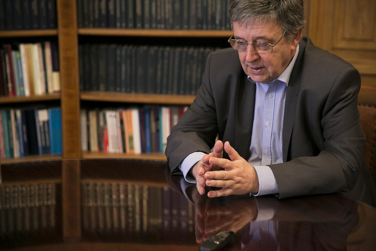 Egy sor akadémikus kéri az elnököt, hogy az MTA foglalkozzék a magyar demokrácia gyengülésével