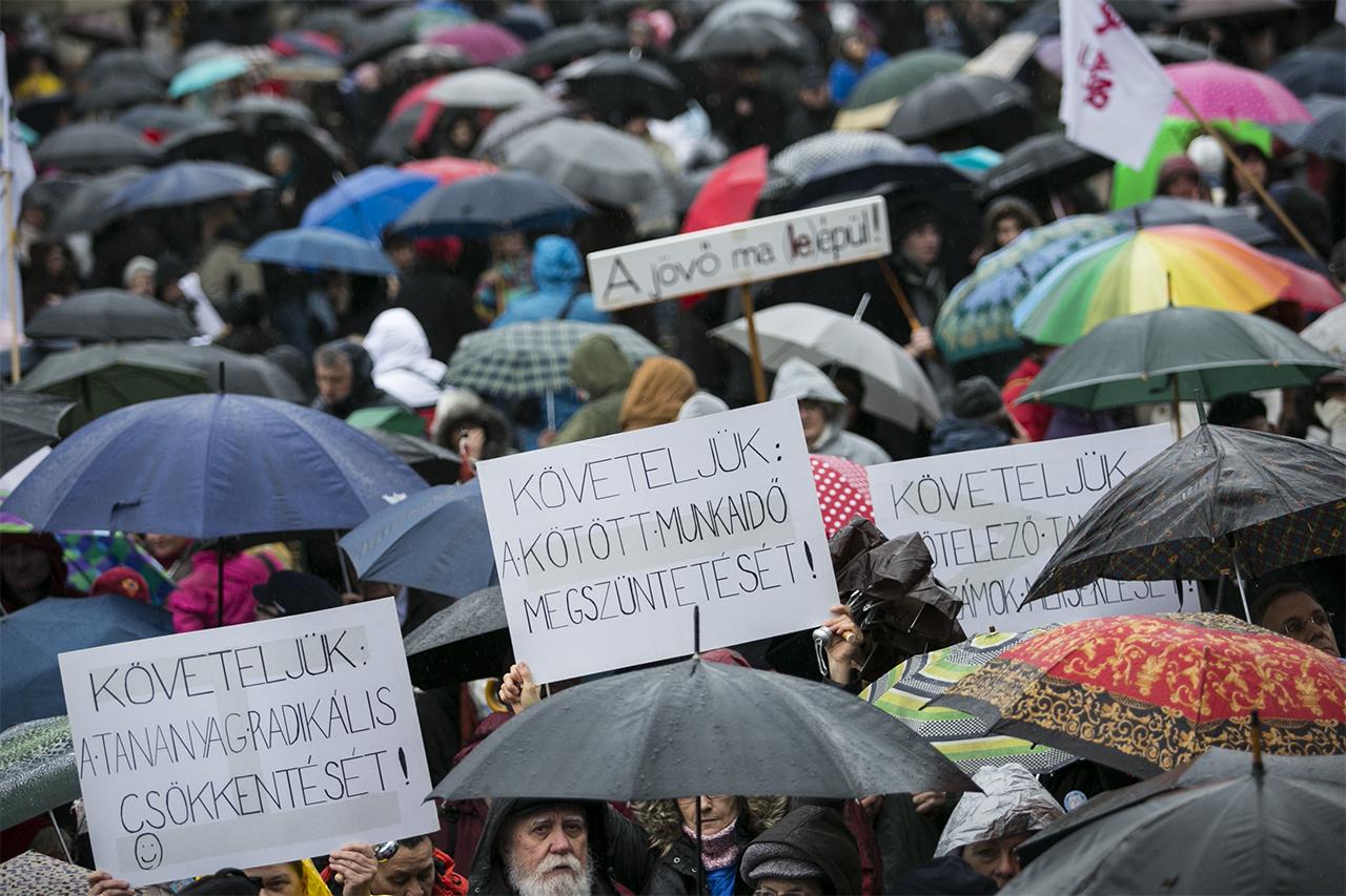 Már több mint tízezren jelentkeztek a 'Nem leszek suliban' eseményre