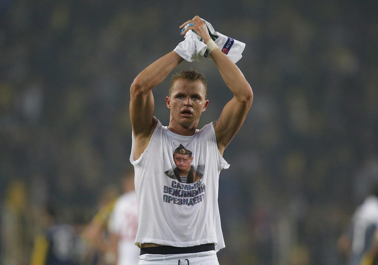 Putyint éltető pólóval provokált Isztambulban egy orosz focista