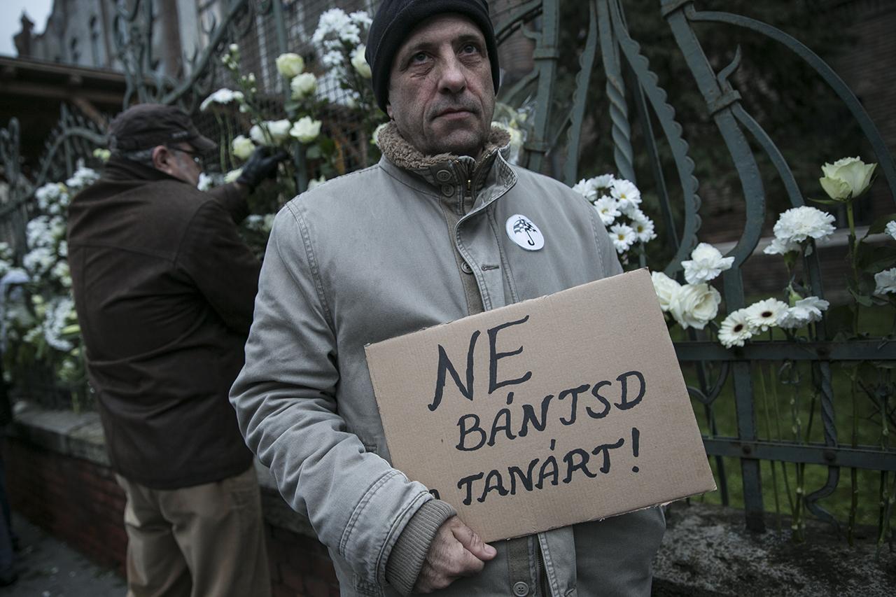 Lejárt a tanárok ultimátuma, polgári engedetlenségi akcióval folytatódhat a tiltakozás