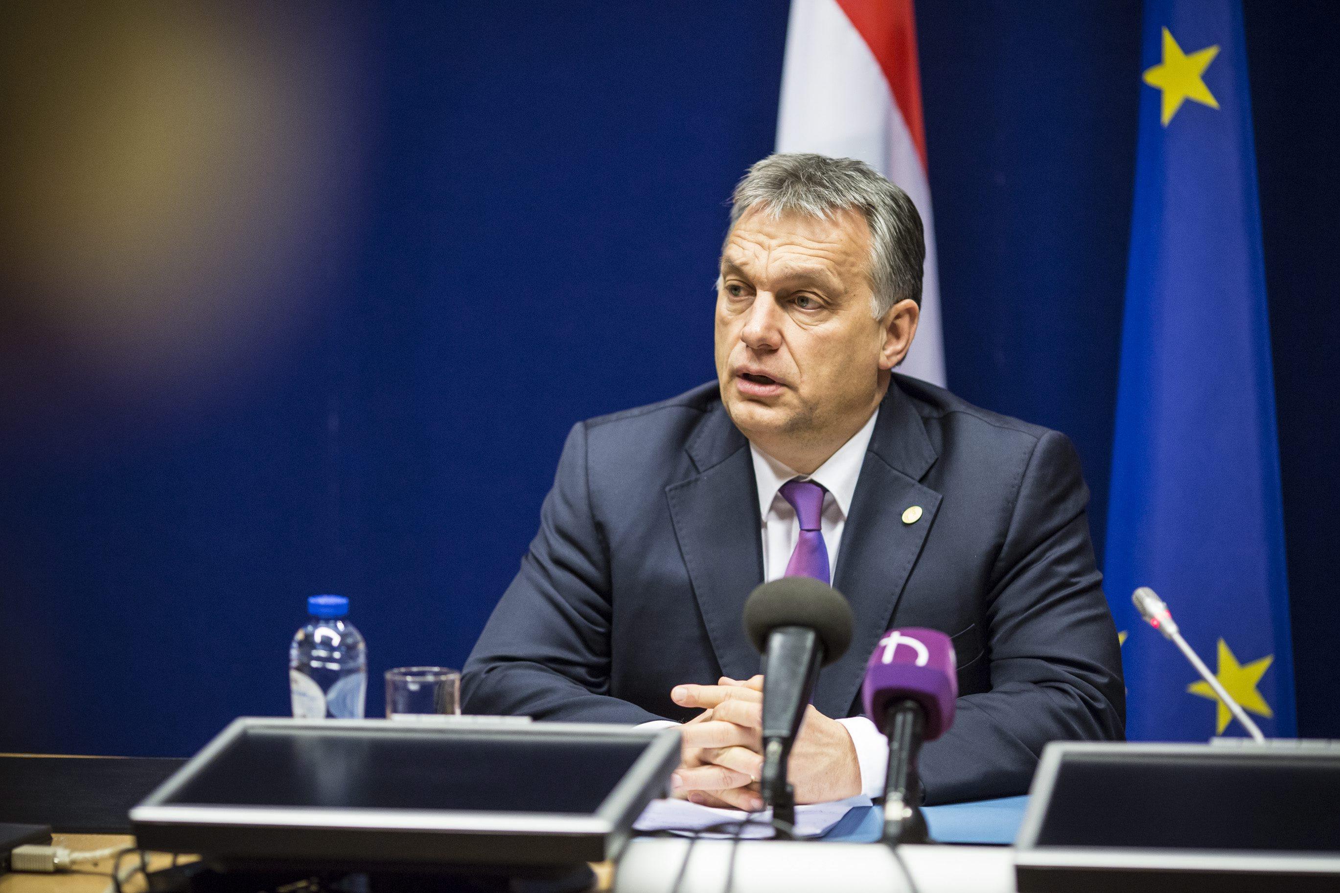 Orbán: Ma este minden magyar családnak jó oka van arra, hogy kinyisson egy jó üveg vörösbort