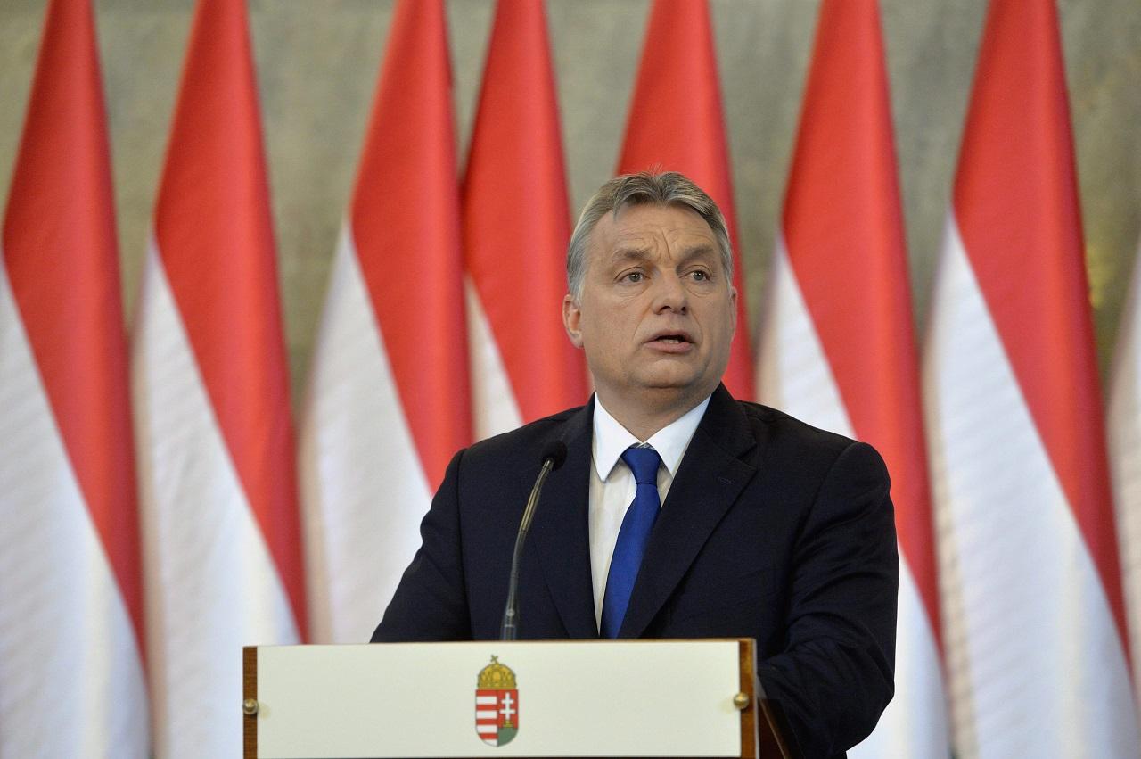 Orbán Viktor a keresztényeket, a zsidókat, a melegeket és saját lányait félti a bevándorlóktól