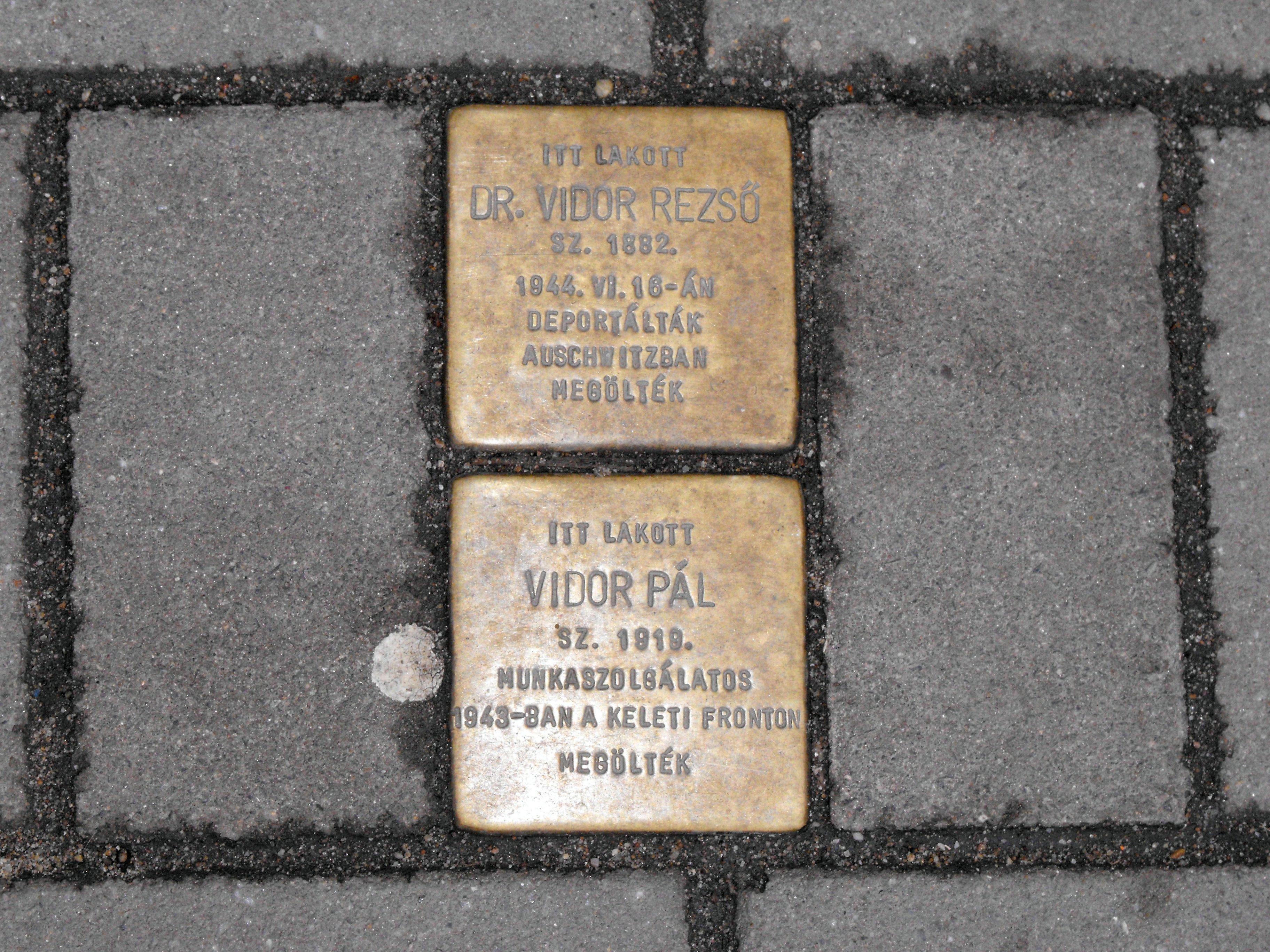 Debrecenben lehet emlékezni a holokausztra, de csak a négy fal között