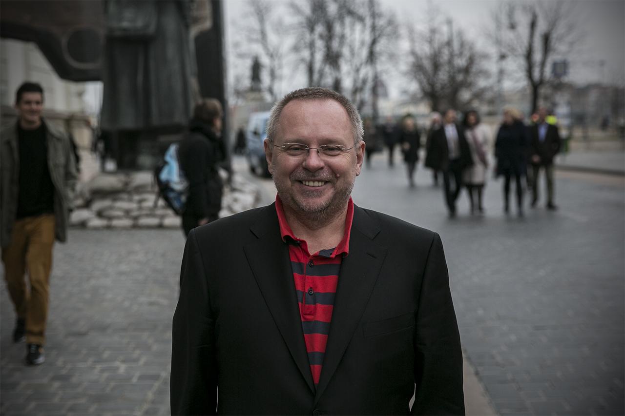 Spéder Zoltán kivonult az Index mögül, az eddigi igazgató és egy KDNP-s üzletember vette meg a CEMP-et