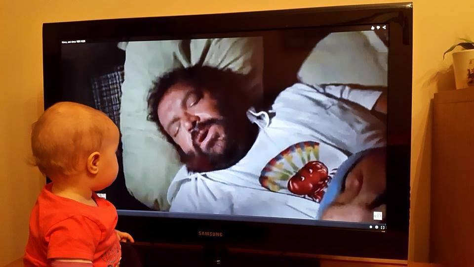 Bud Spencer egy magyar kislánynak címezte a jó éjt posztját