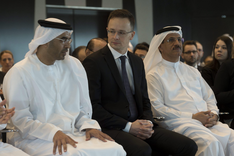 Szijjártó: A magyar kormánynak nincs semmi dolga Orbán Ráhelék bahreini útjával kapcsolatban