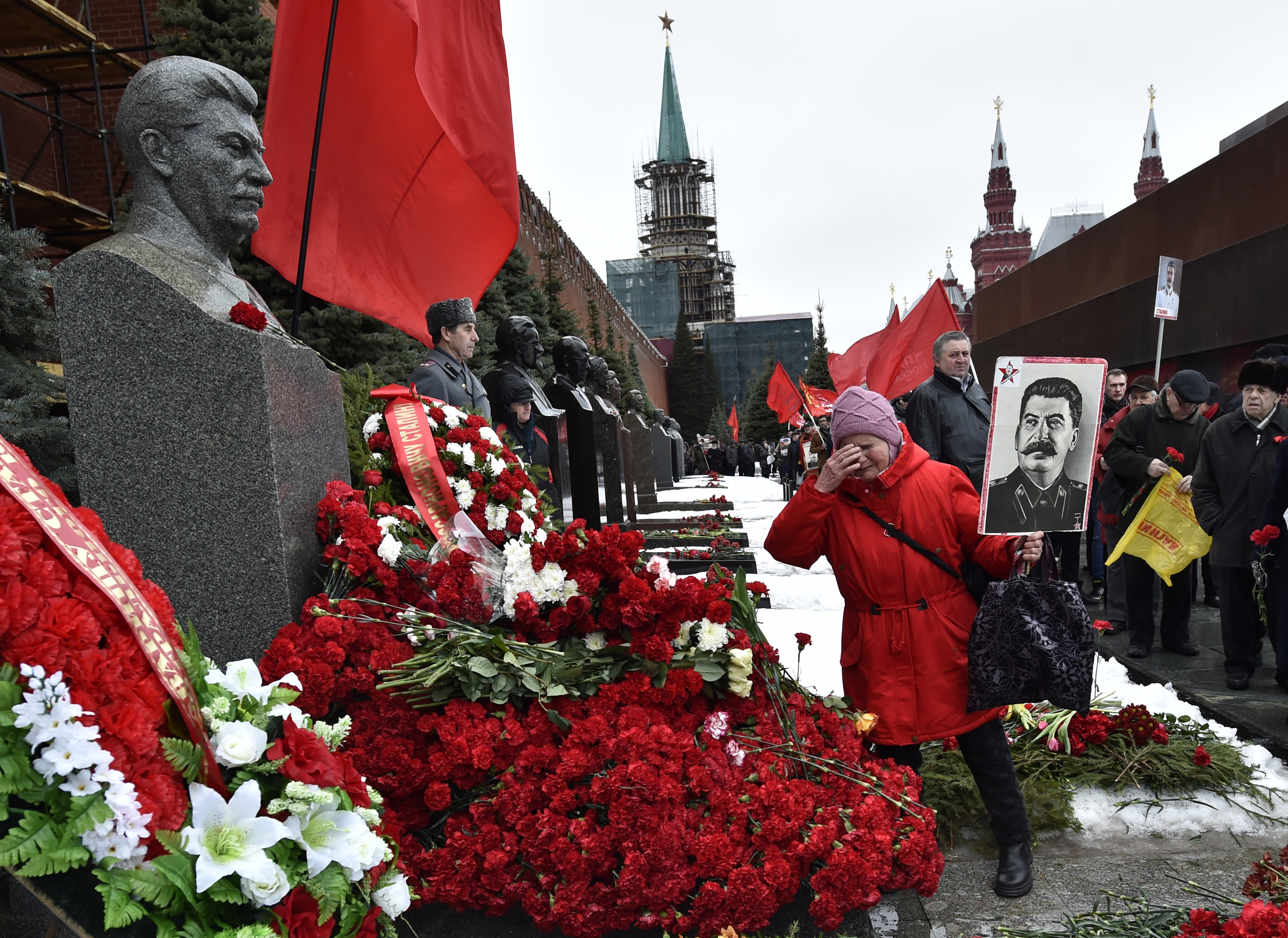 A szlovákiai Trencsén elvette Sztálintól a díszpolgári címet