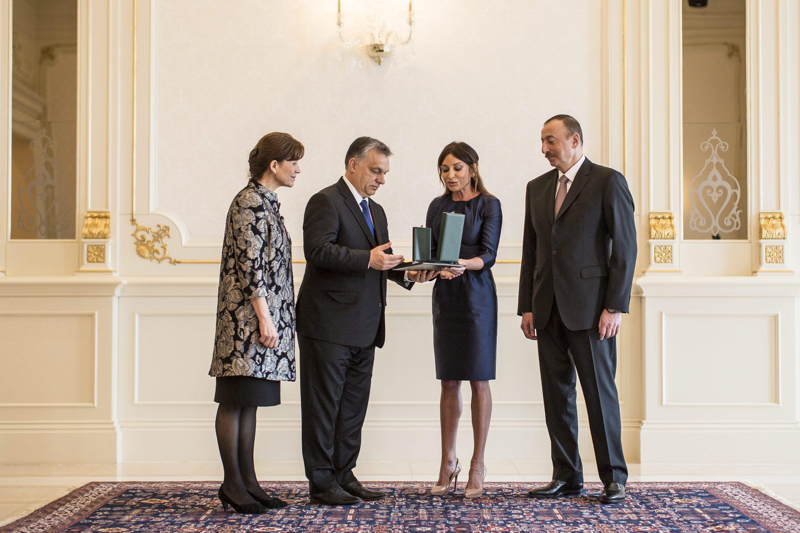Azerbajdzsán magyaros választ adott arra, hogy a diktatúra politikai elitje egy 3 milliárd dolláros titkos alapot tartott fent európai politikusok és újságírók lefizetésére