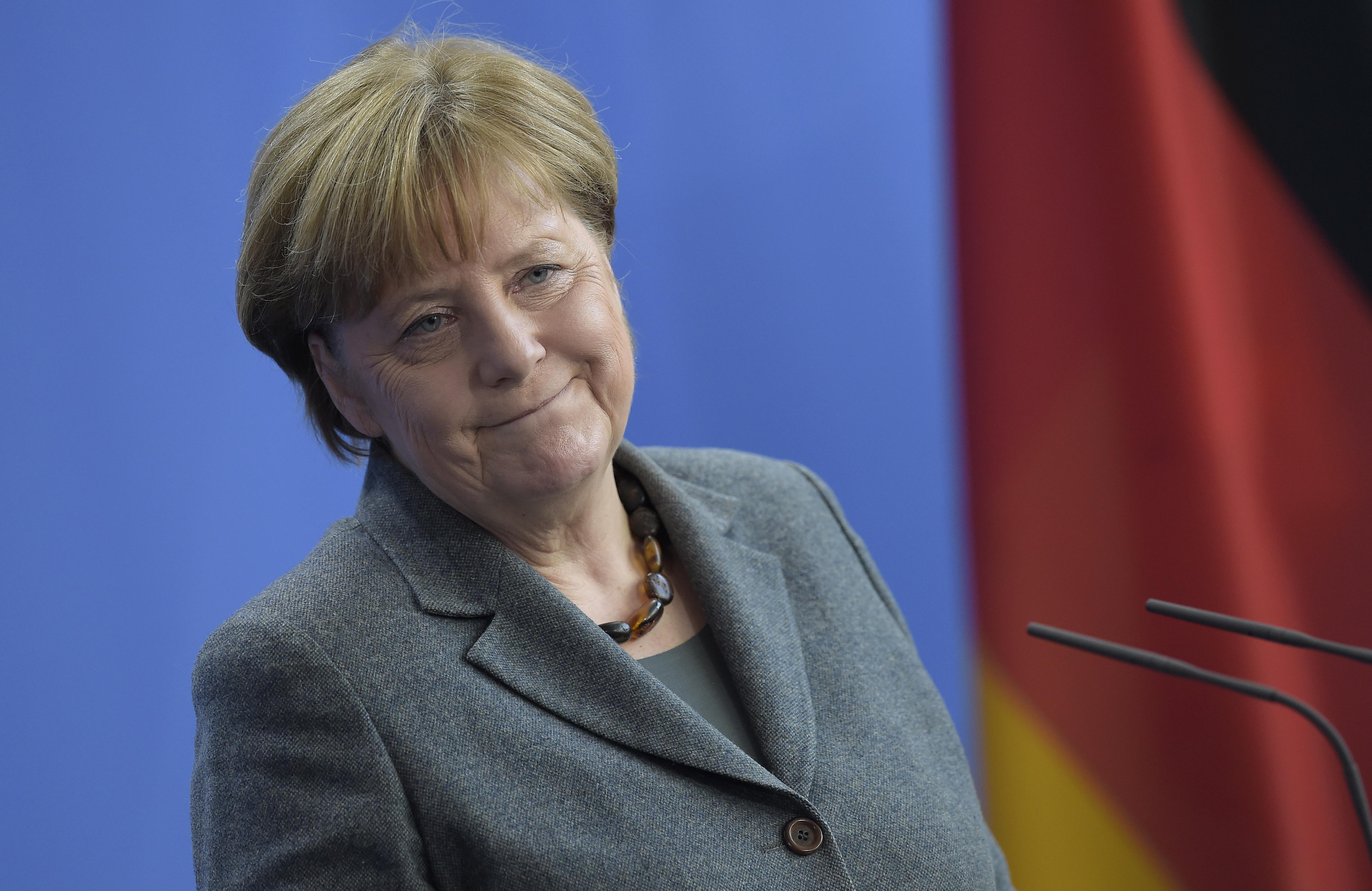 Az sem segített sokat Merkel jelöltjein, hogy látványosan elhatárolódtak a kancellártól