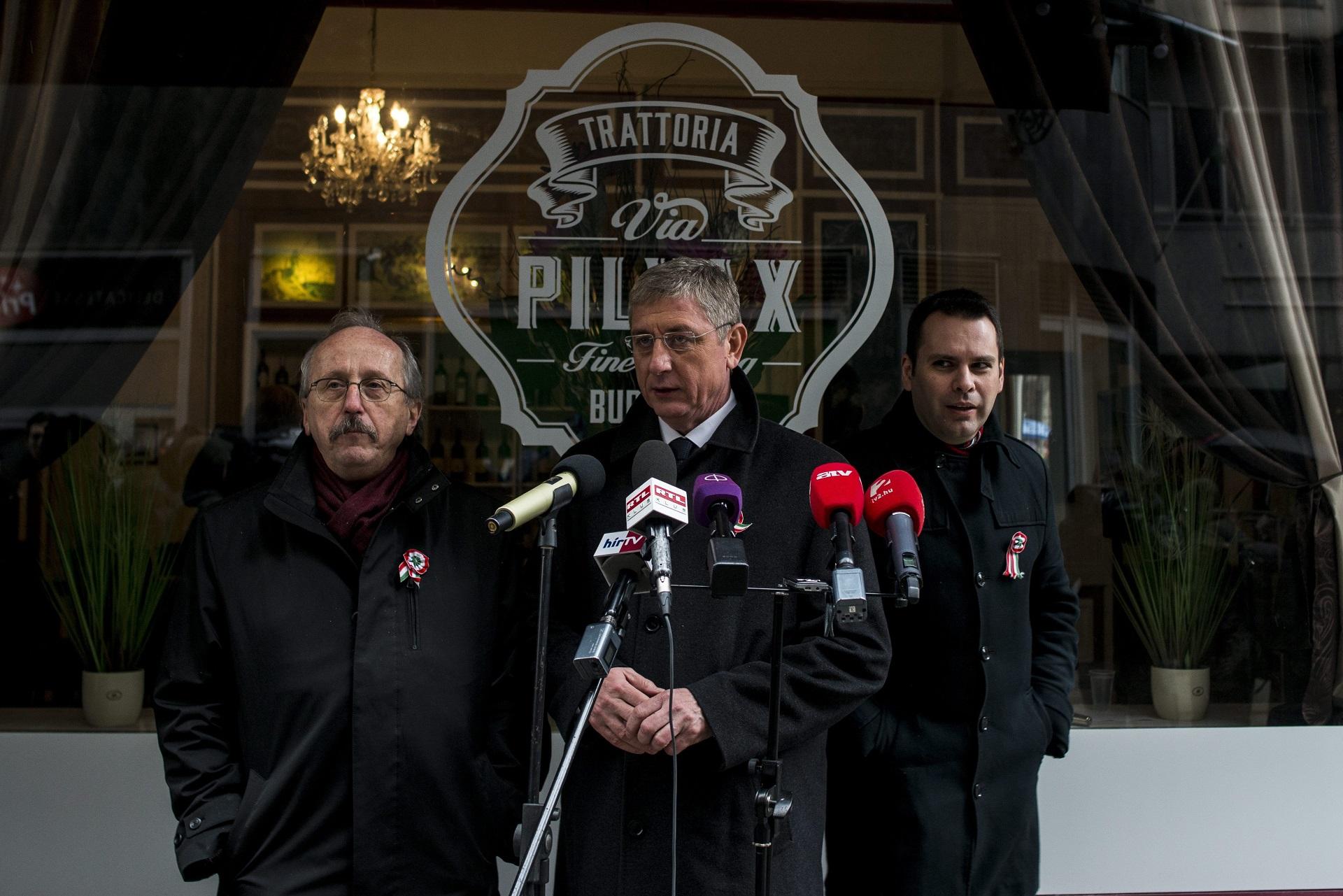 Vizsgálat nélkül utasította el a Sargentini-jelentést megszavazók elleni feljelentést az ügyészség