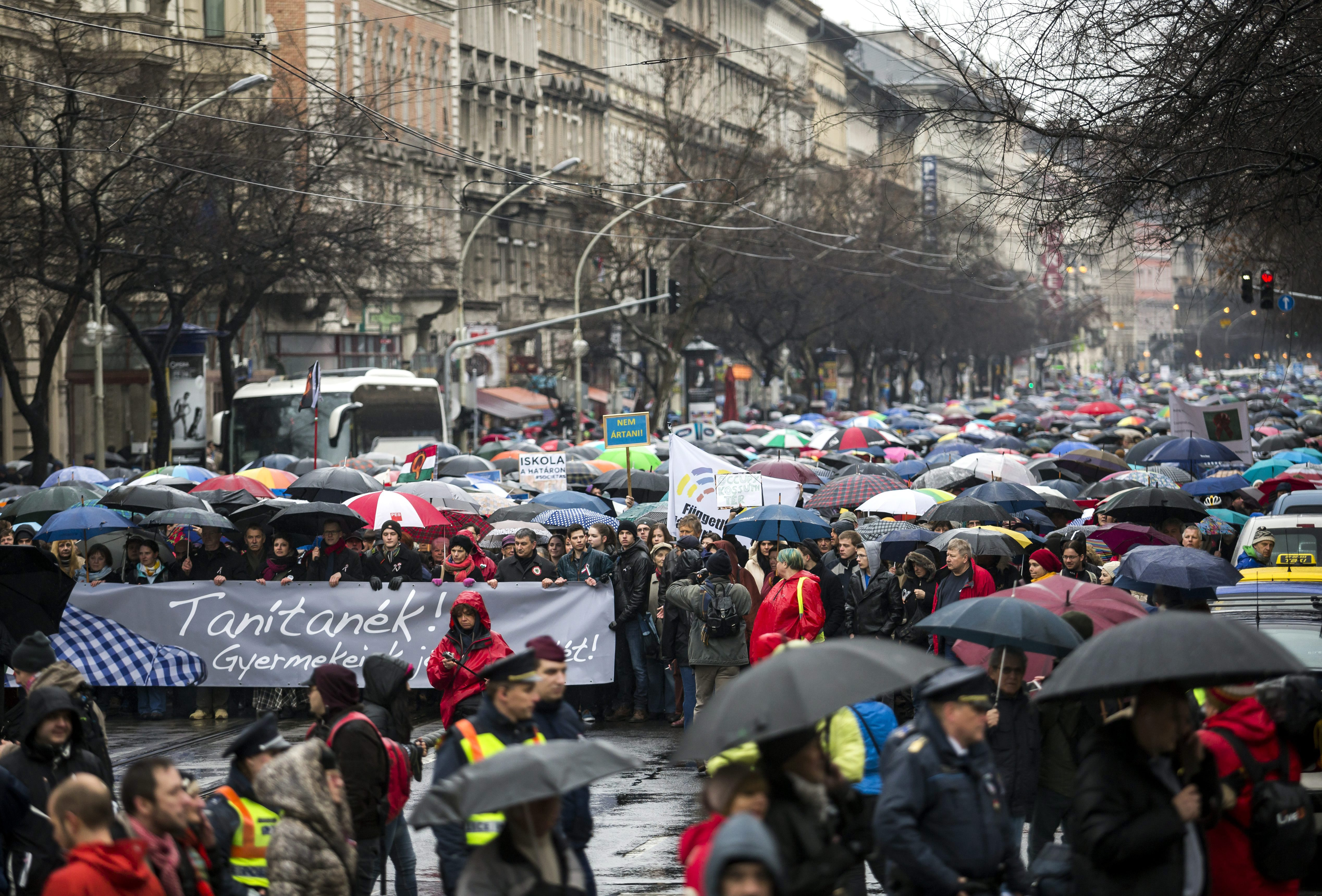 A Tanítanék Mozgalom már nem 1, hanem 2 órás sztrájkra készül