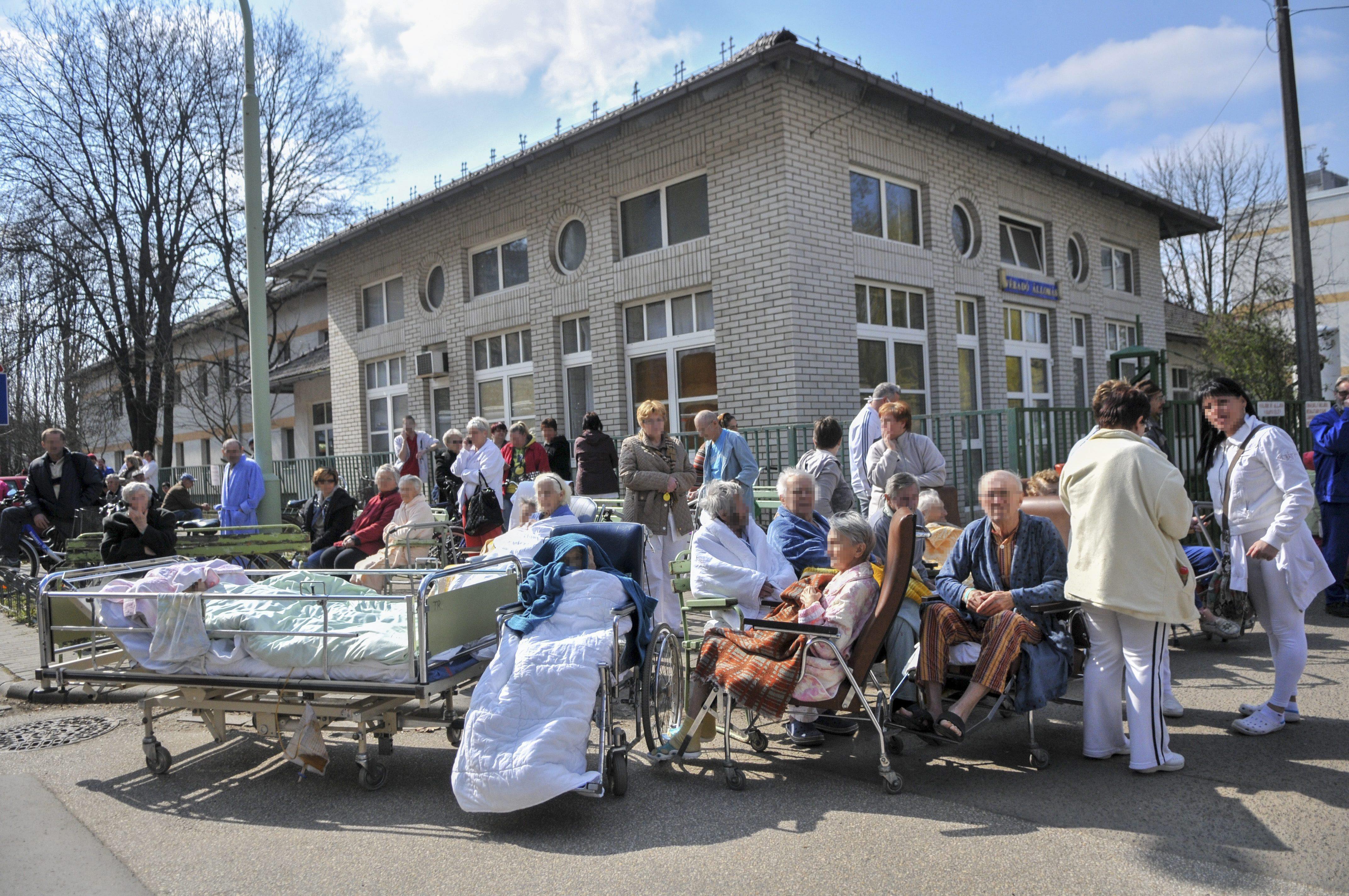 A szakma a Szent Imre Kórházat javasolta, a kormány mégis Dobogón építené fel a budai szuperkórházat