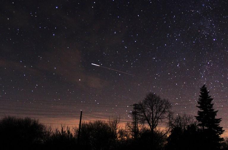 Egy nap alatt két üstökös húz el a Föld mellett