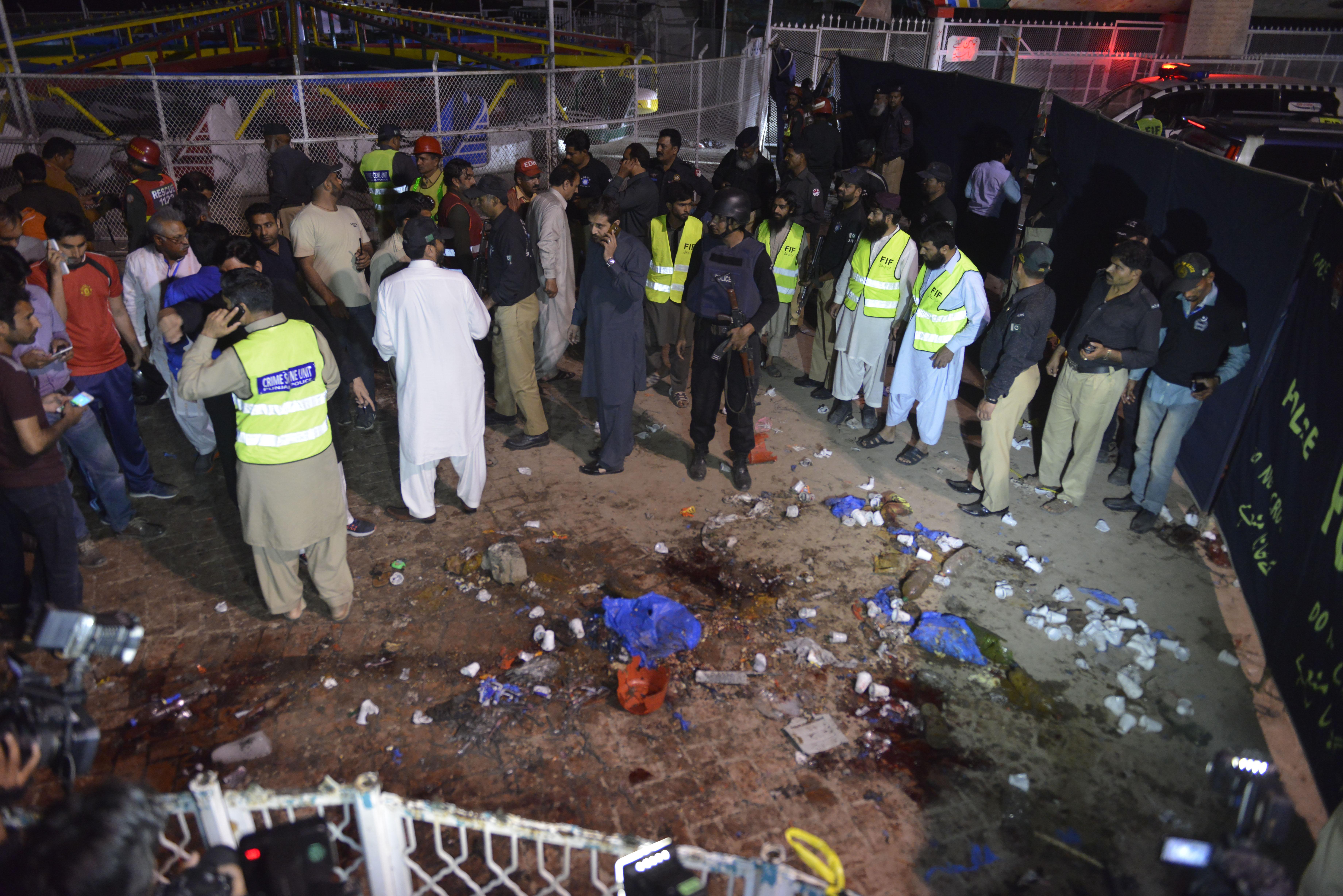 Több mint hetvenen haltak meg a keresztények elleni pakisztáni merényletben
