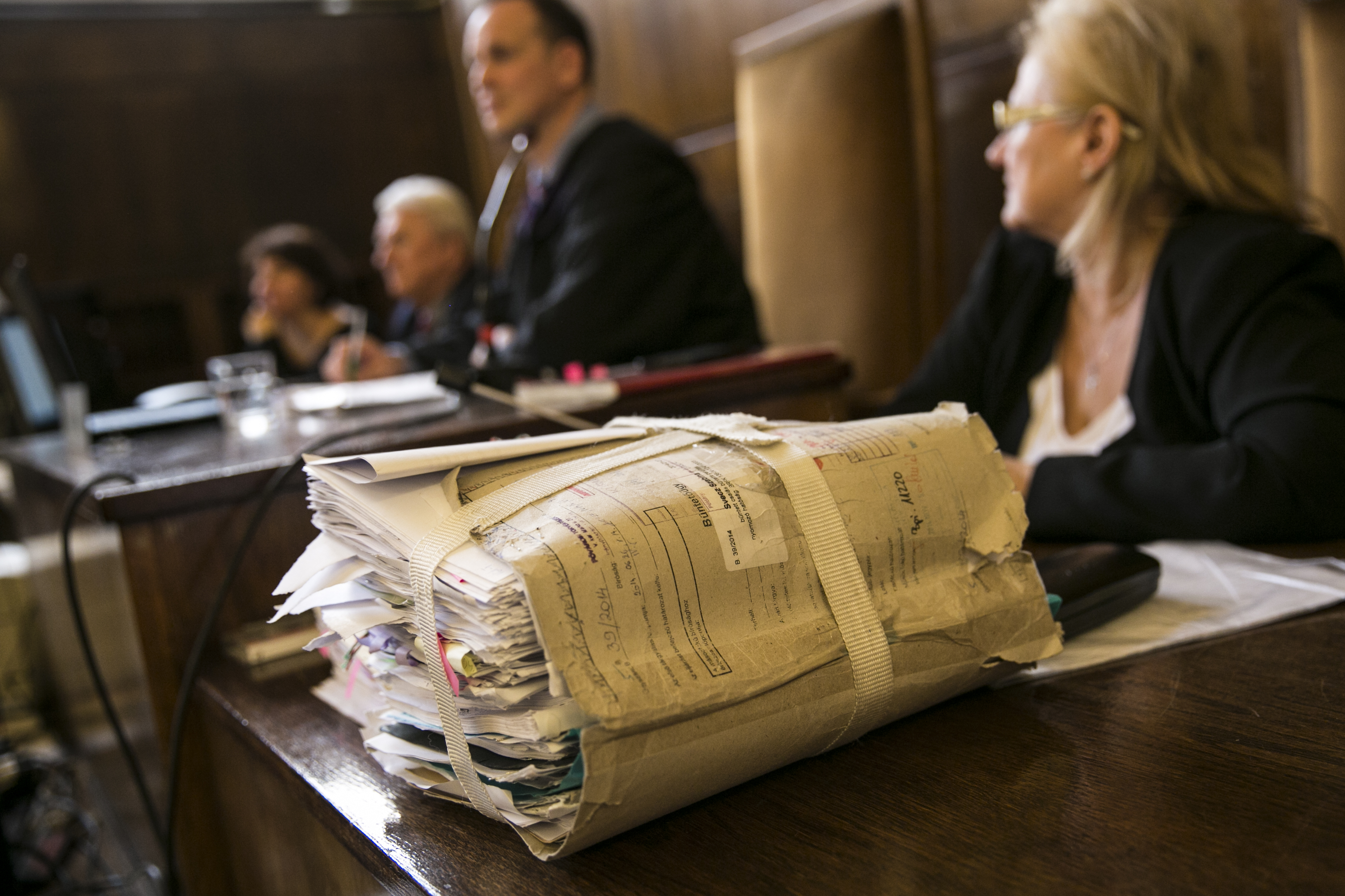 A kormány most fontos ügyben engedett, de ettől még aligha adta fel a bíróságokért folytatott harcot
