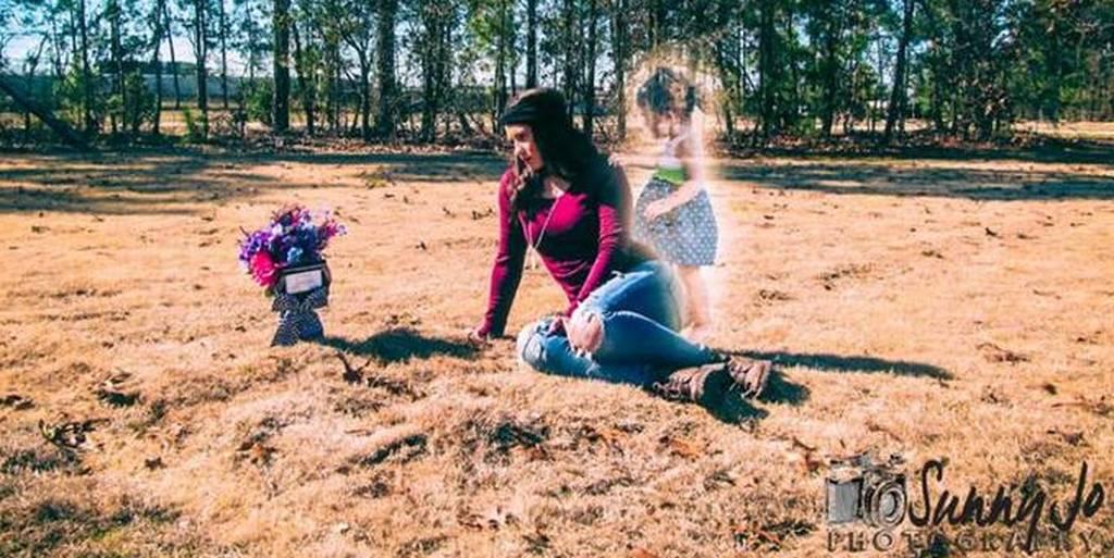 Megölhette kétéves lányát a szellemképekkel gyászoló amerikai anyuka
