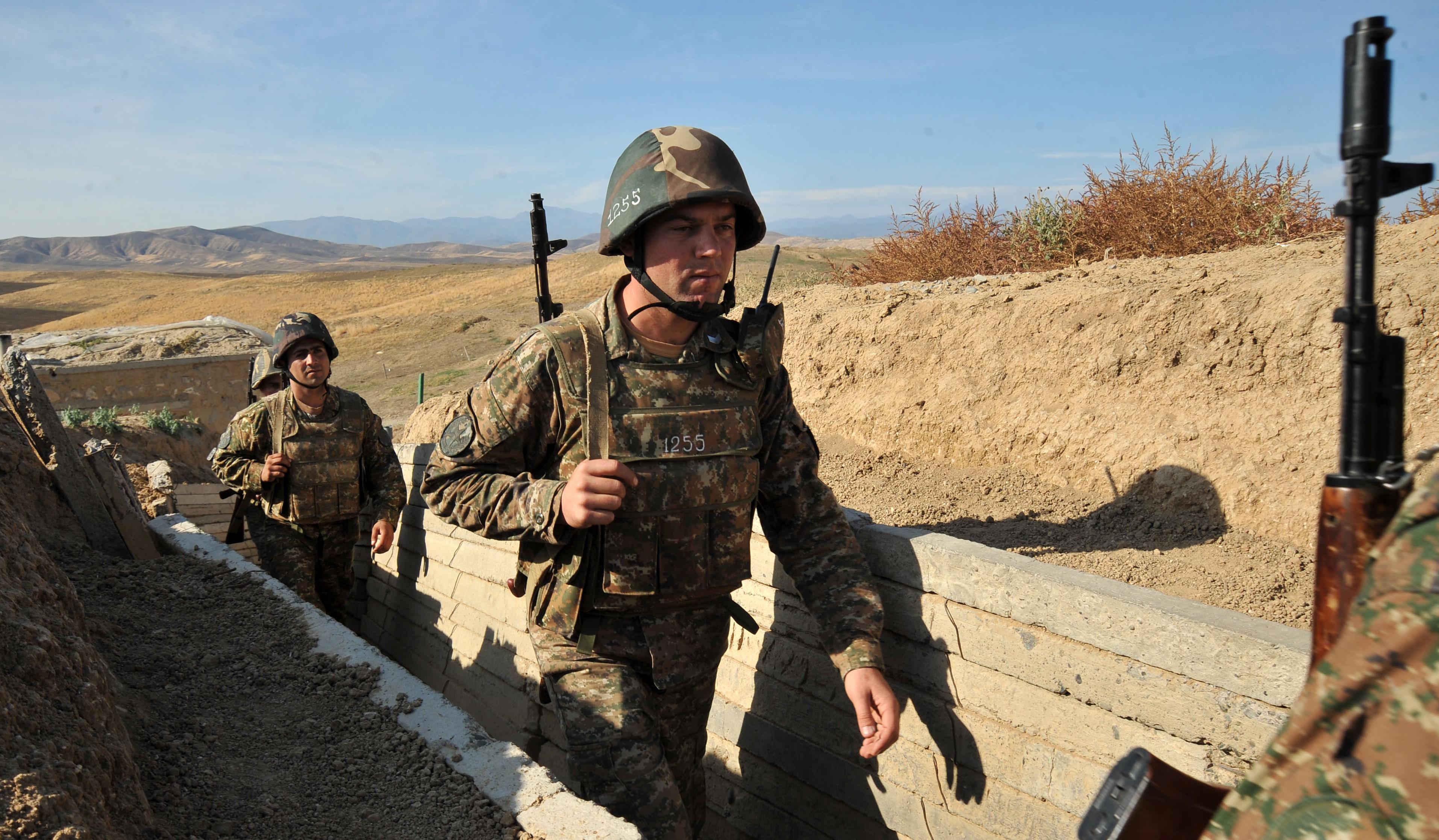 A polgári lakosság rakétázásával fenyegetnek az azeriak