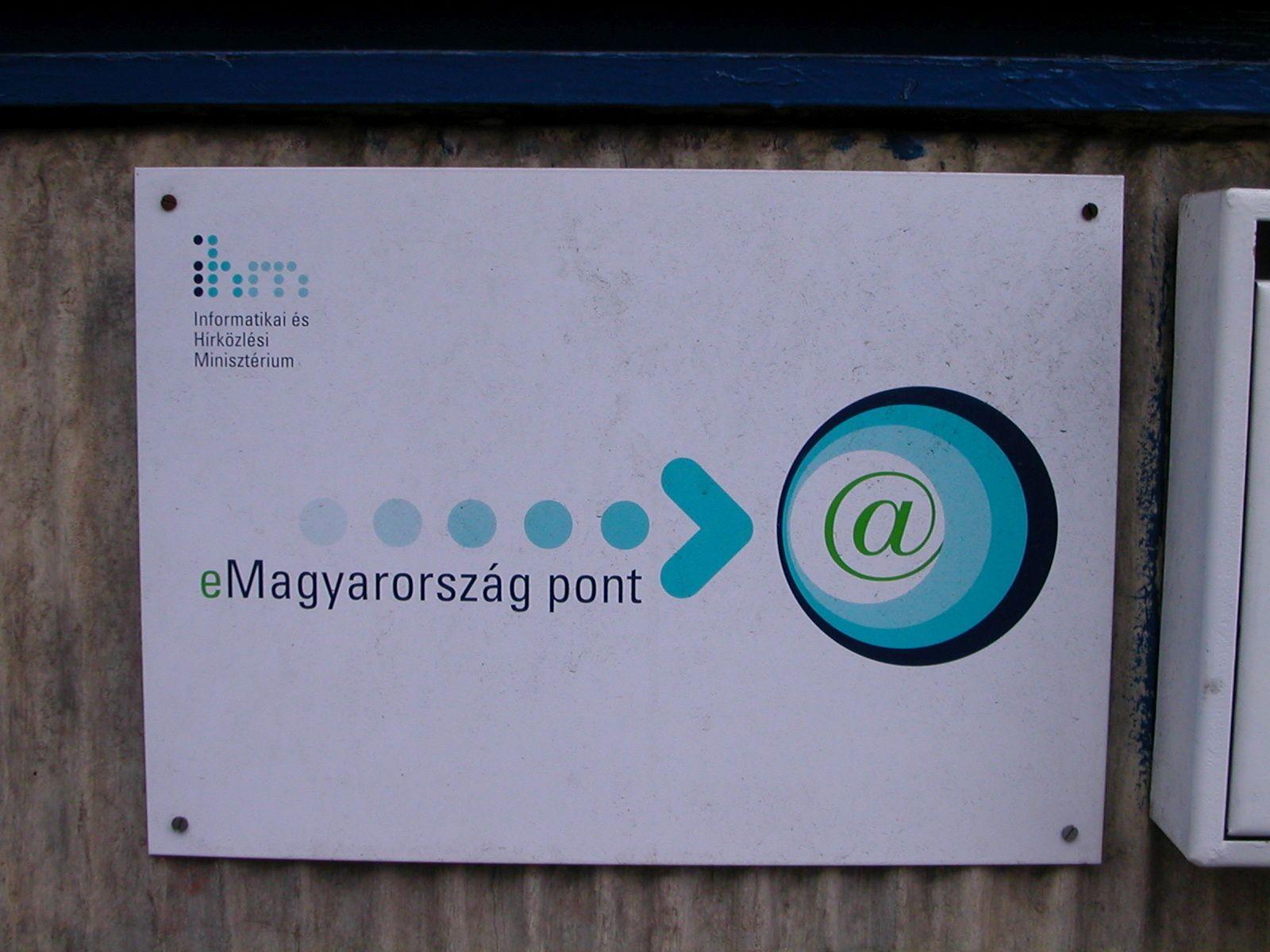 A választási kampányra minden magyar településre eljuttatja a vezeték nélküli internet csodáját a kormány
