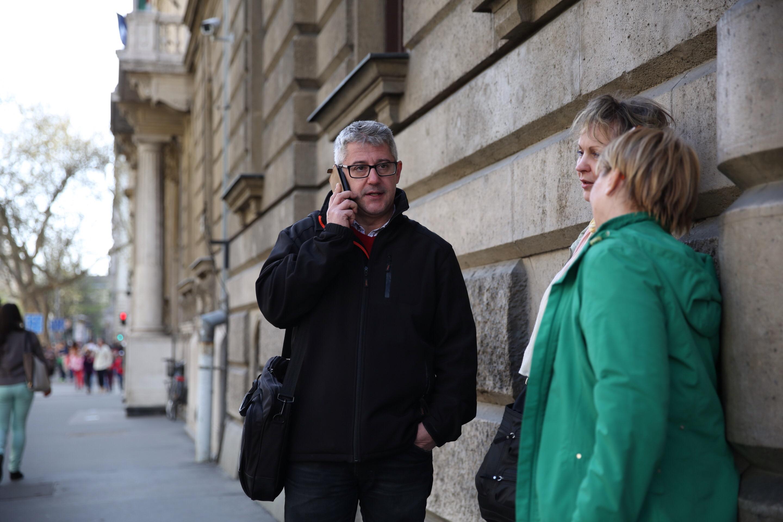 Most a sajtófőnökét rúgta ki az MSZP