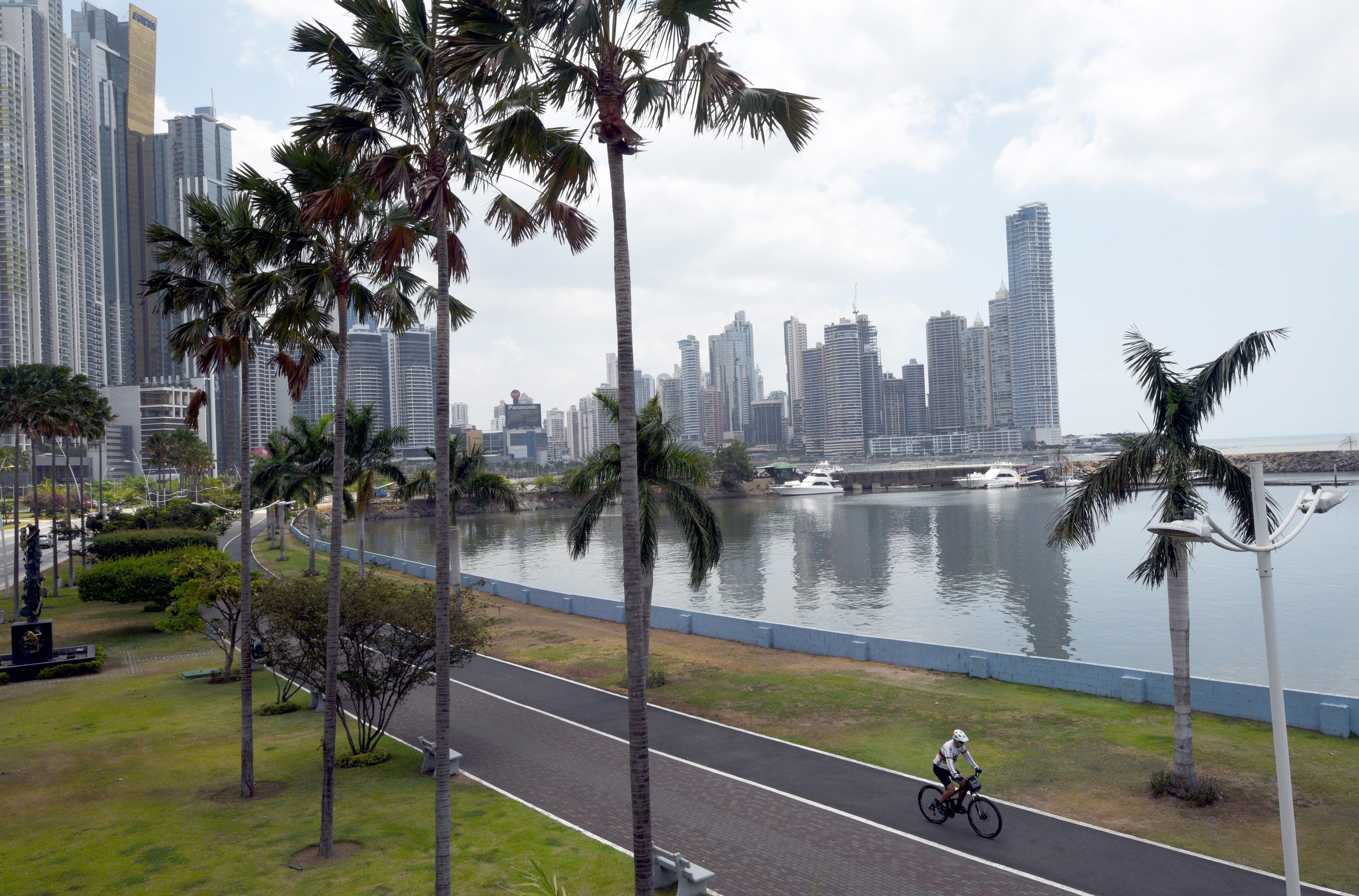 Panama enged, fellibbenti a fátylat az adótitkairól
