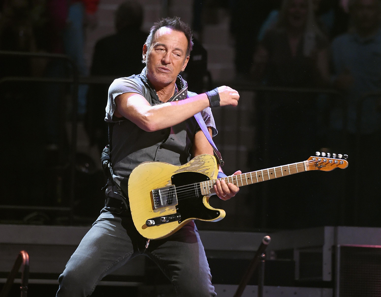 Bruce Springsteen lemondta az észak-karolinai koncertjét a vécétörvény miatt