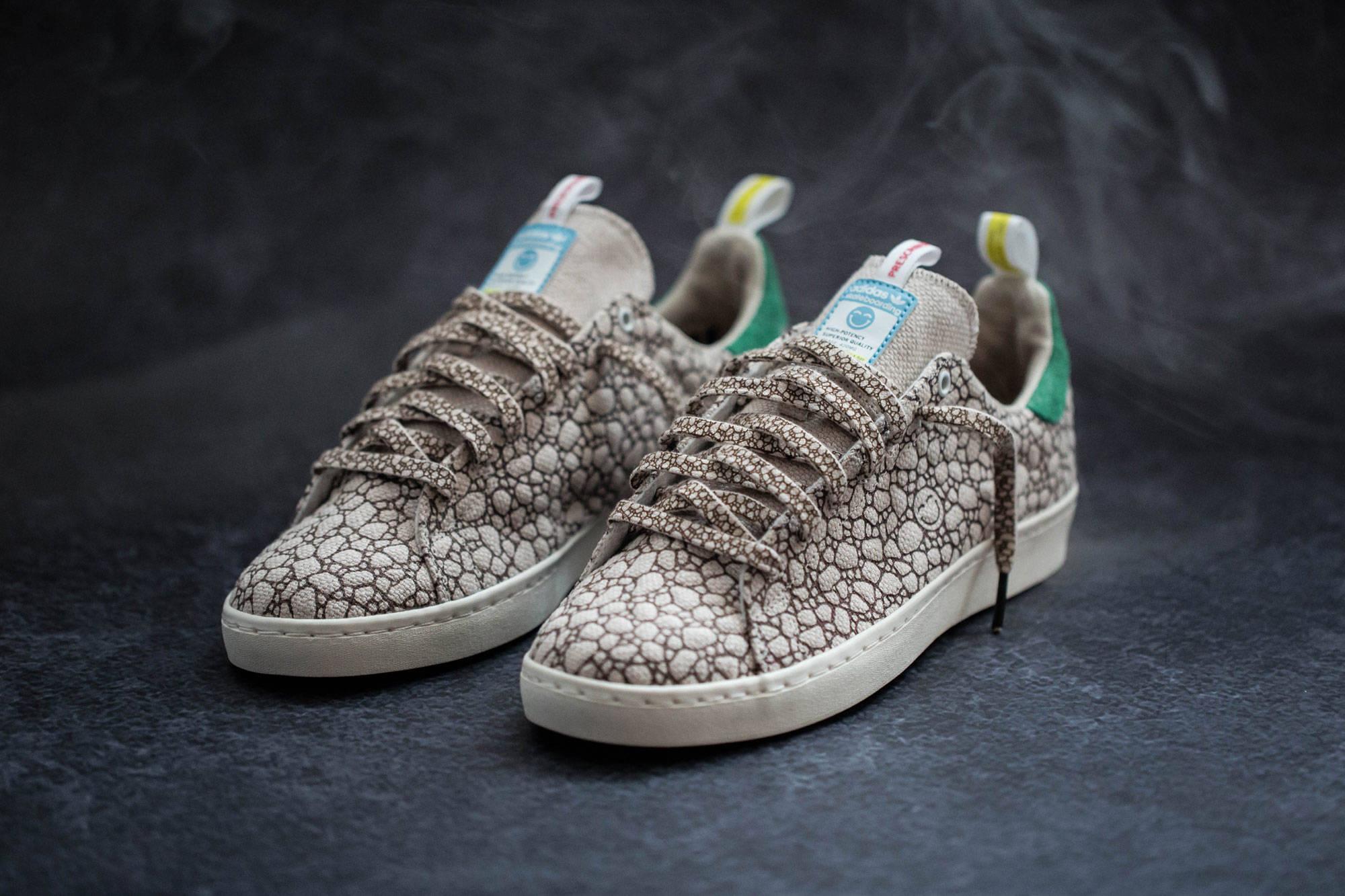 A német állam 2,4 milliárd eurós hitelt ad az Adidasnak