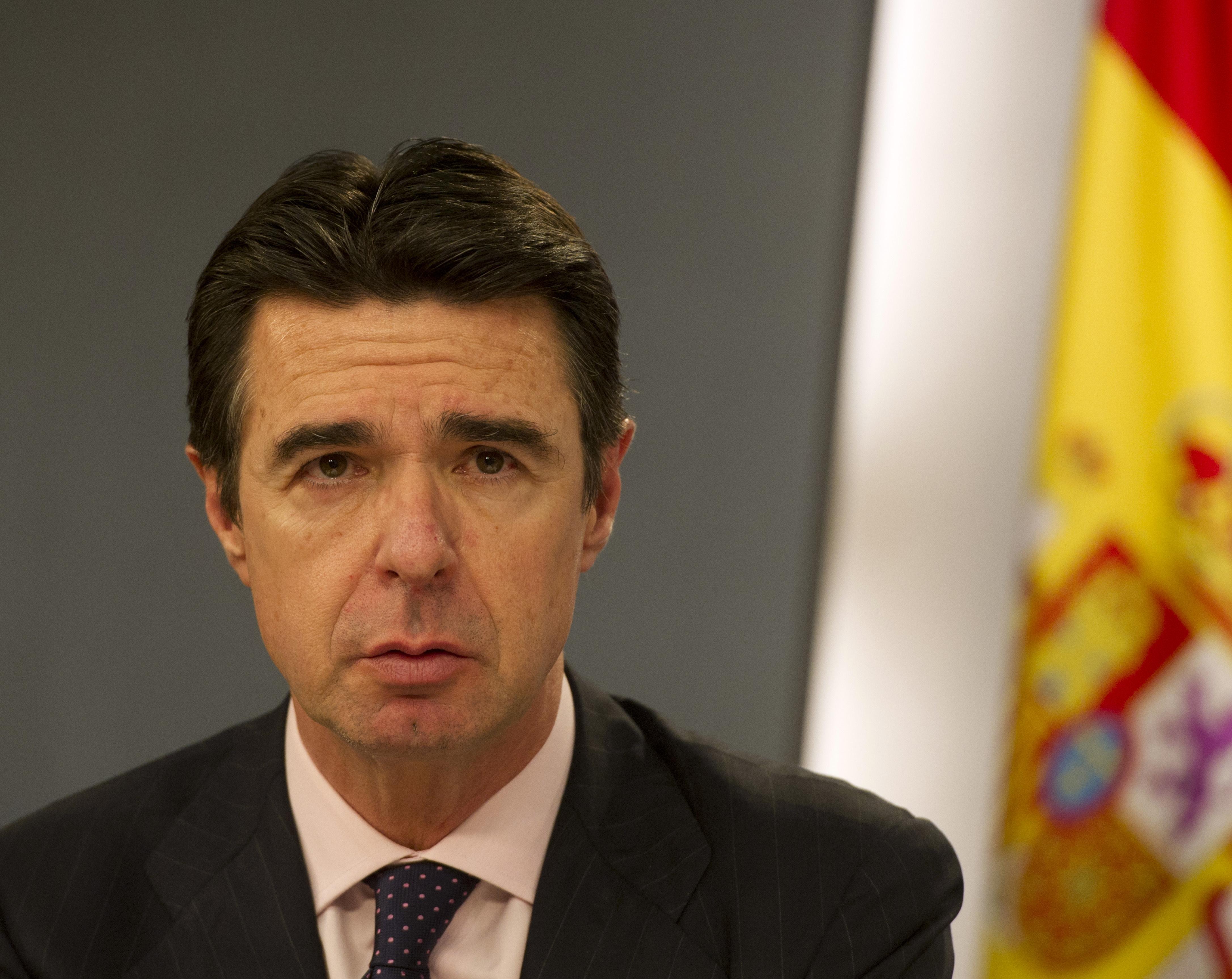 A spanyol ipari miniszter is belebukott az offshore-botrányba