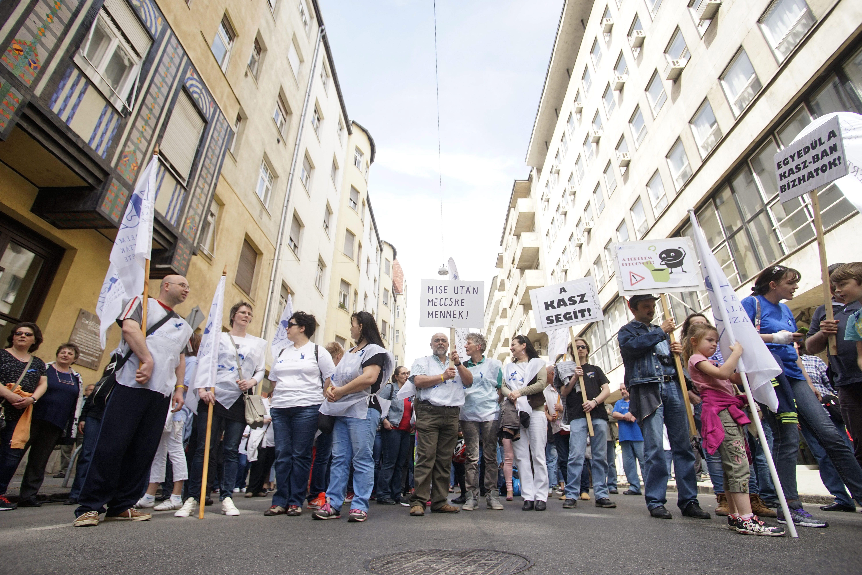 A kereskedelmi szakszervezet szerint Európa legliberálisabb nyitvatartási szabályát állították most vissza Magyarországon