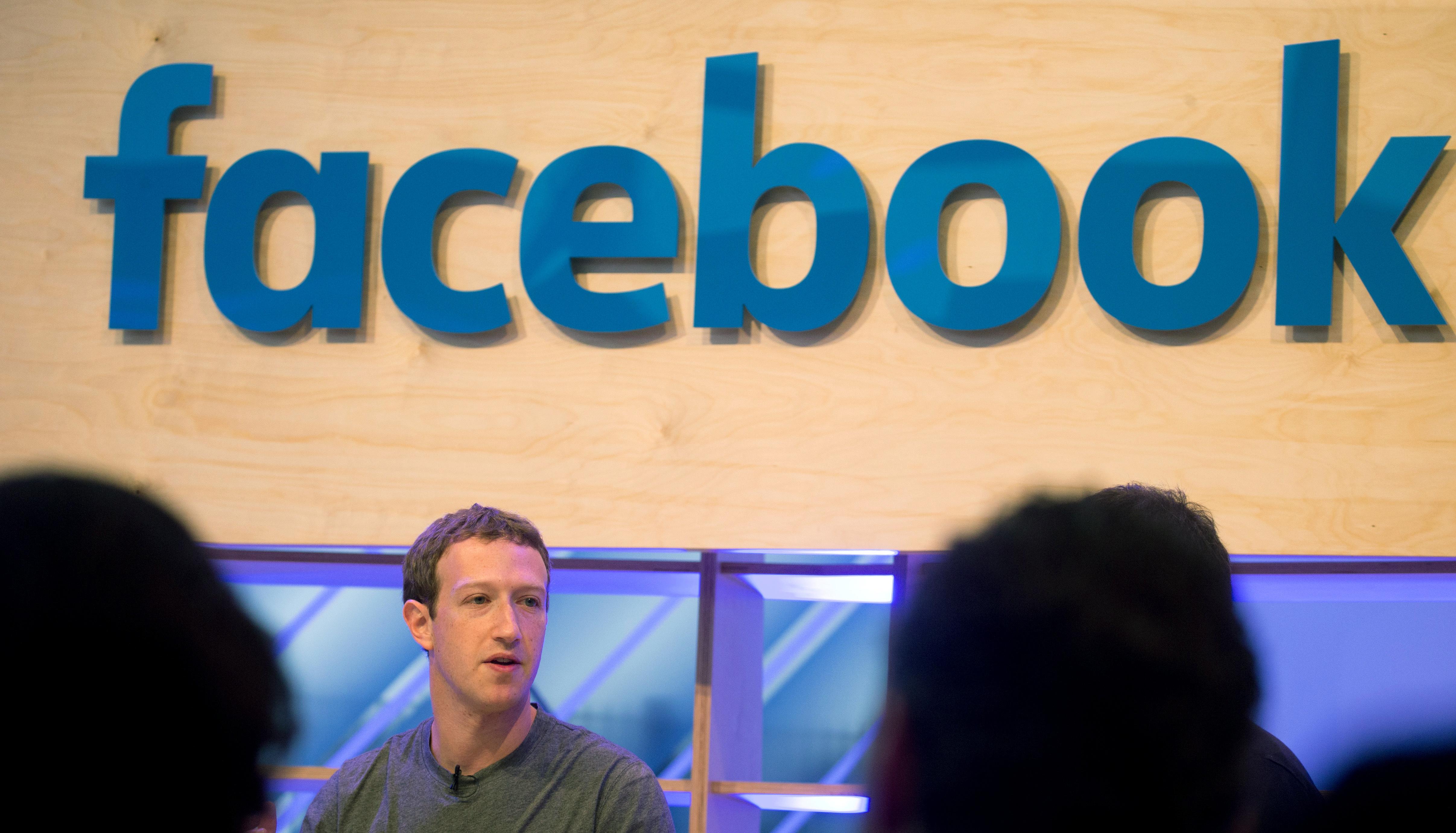 A Facebook mint morális pánik