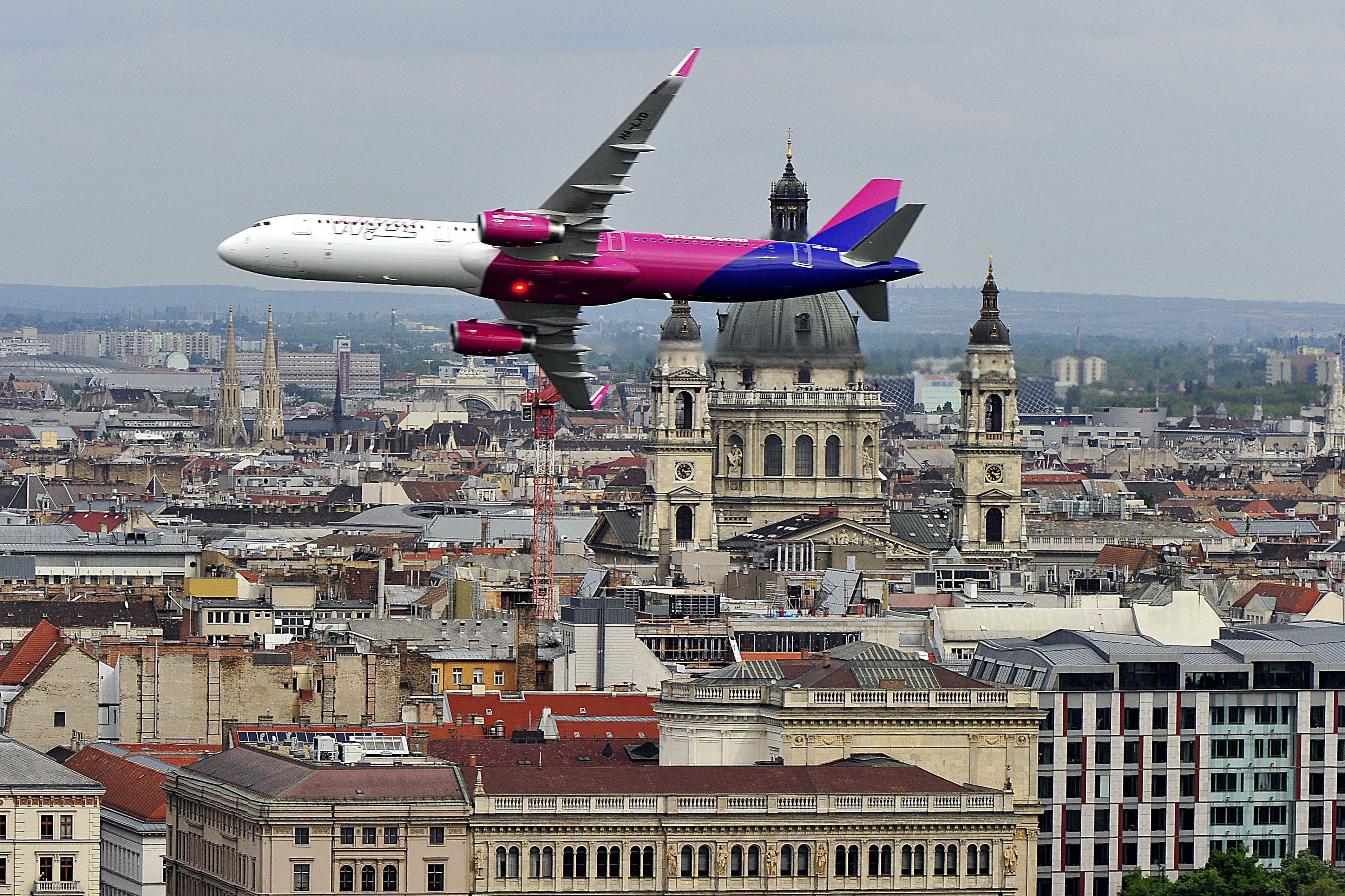 17,2 milliárd (!) dollárért (!!) vásárol repülőket a Wizzair