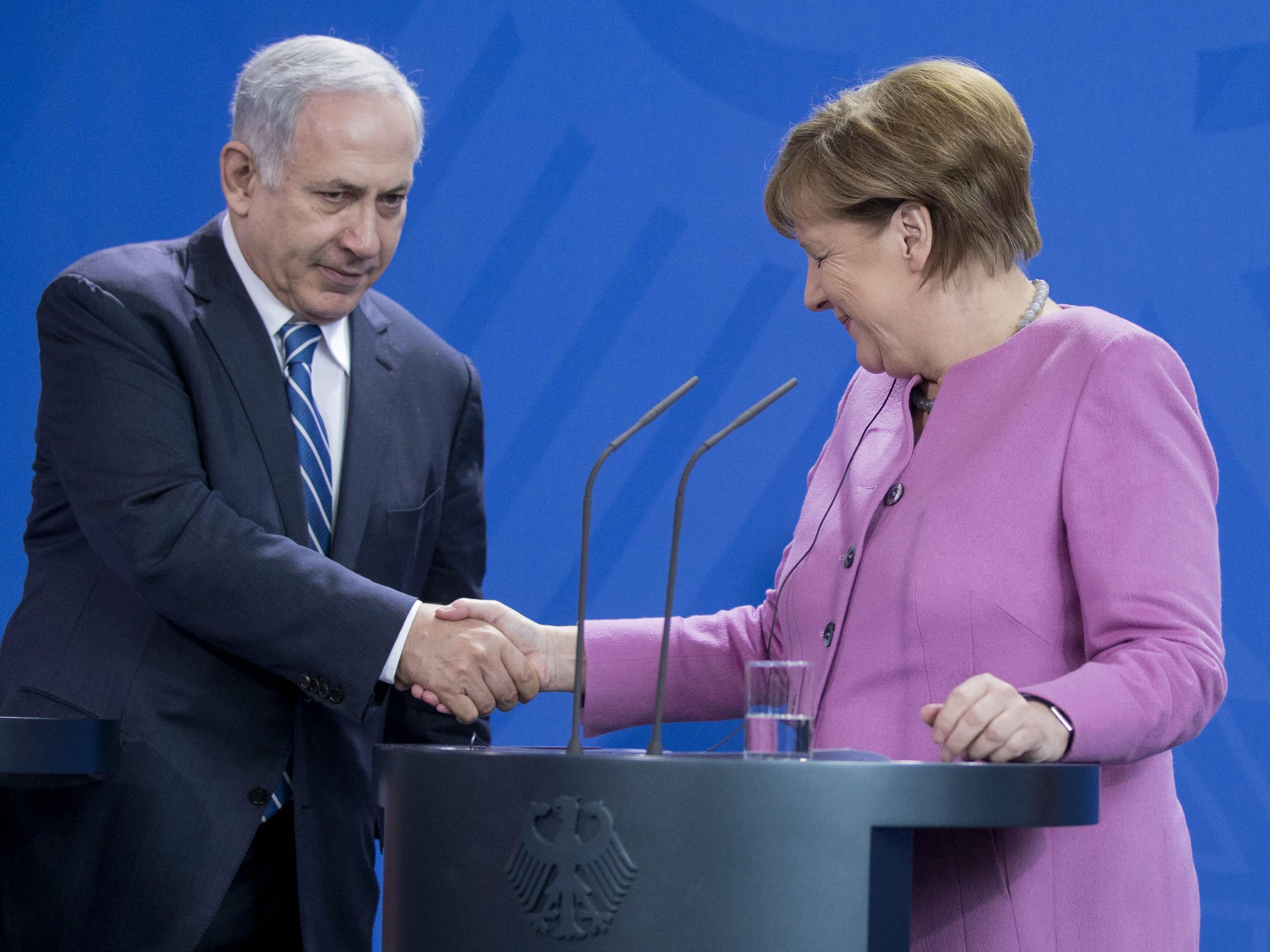 Izrael visszautasítja a Spiegel cikkét, ami arról szólt, hogy sokat romlott a német - izraeli viszony