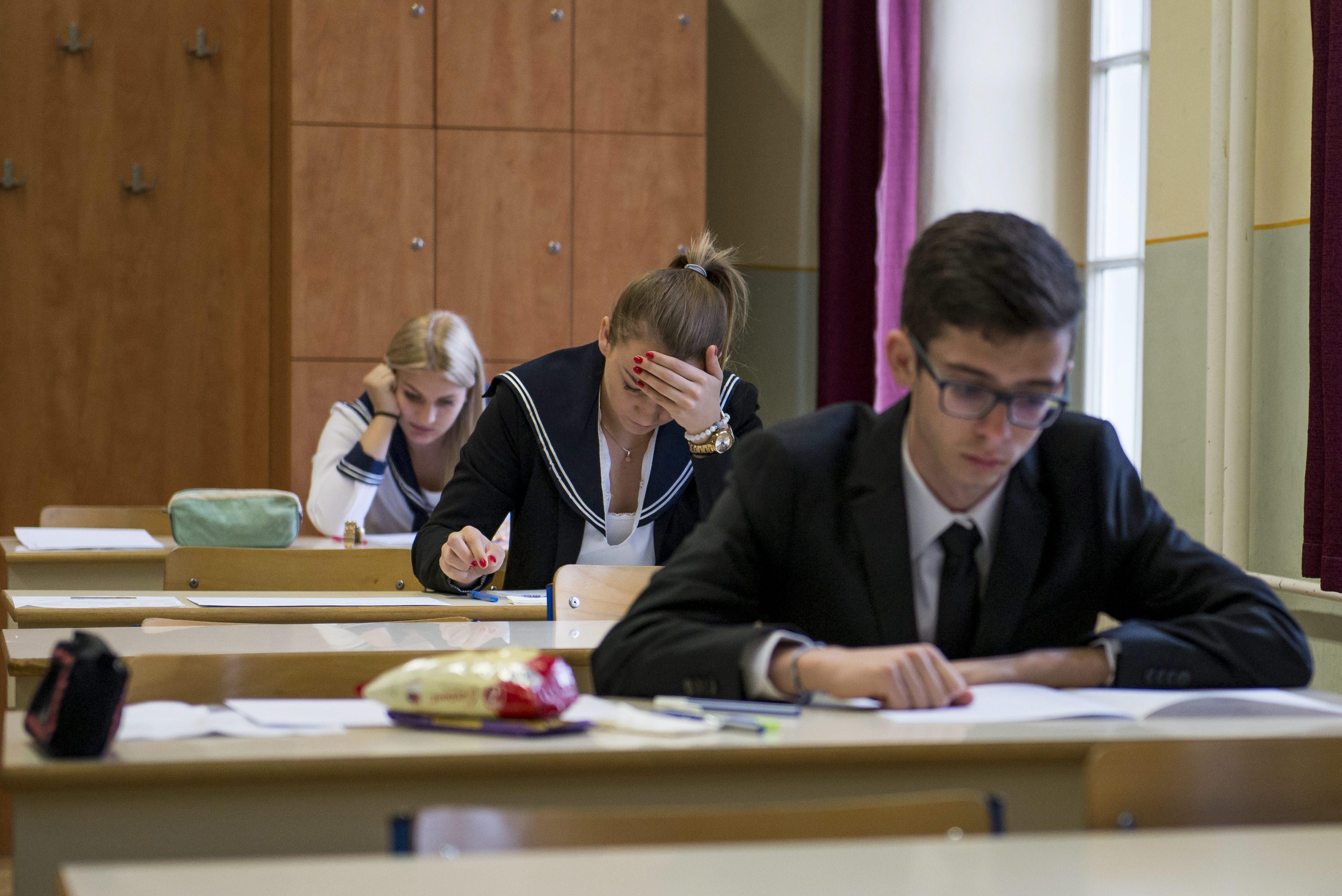 Magyar nyelv és irodalommal folytatódik hétfőn az érettségi