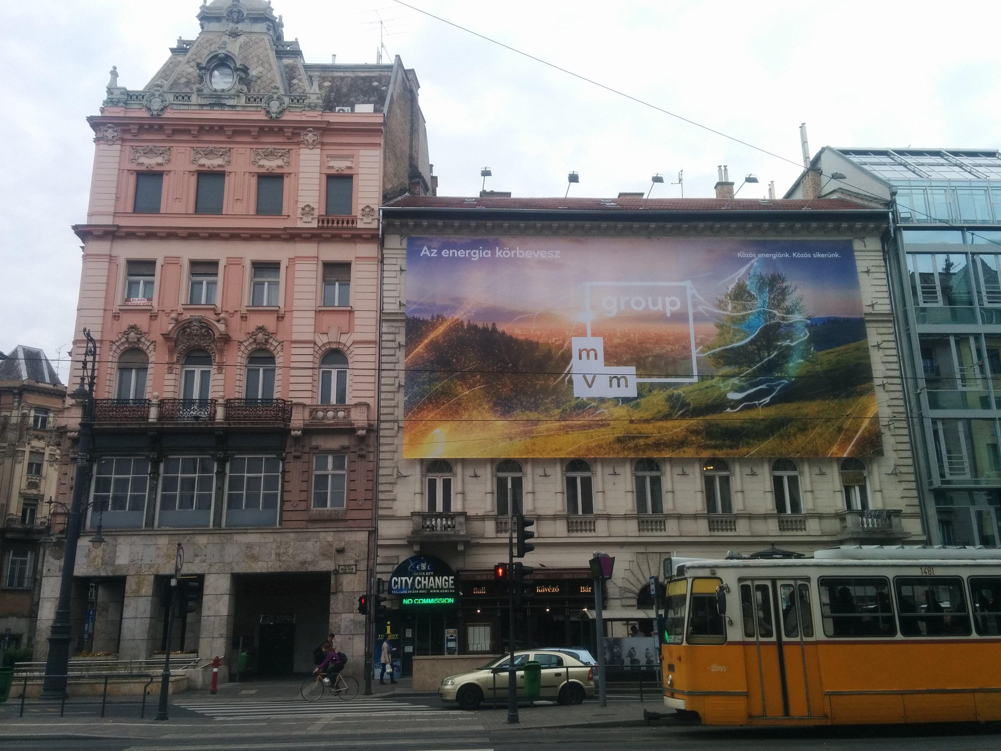 300 milliót kampányol el a Fidesz-közeli médiában az MVM