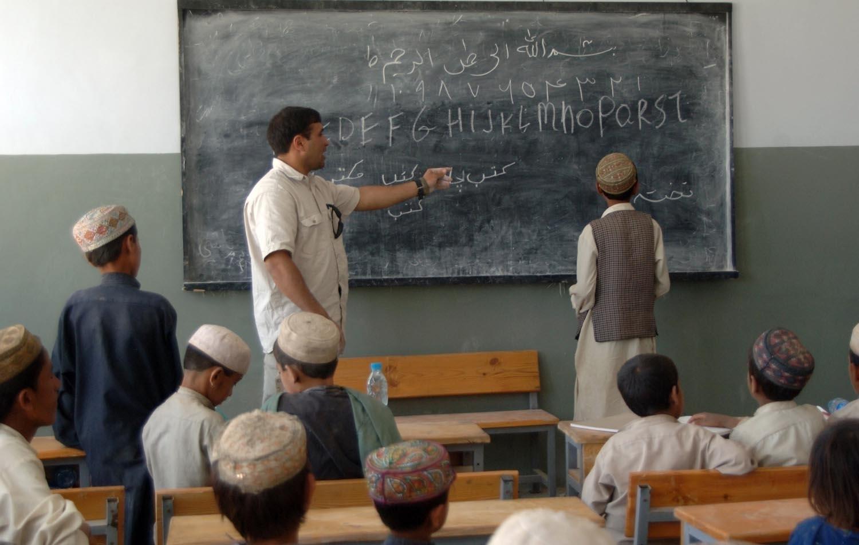 Megszűnhet az iskolákban a kötelező erkölcs és hittan