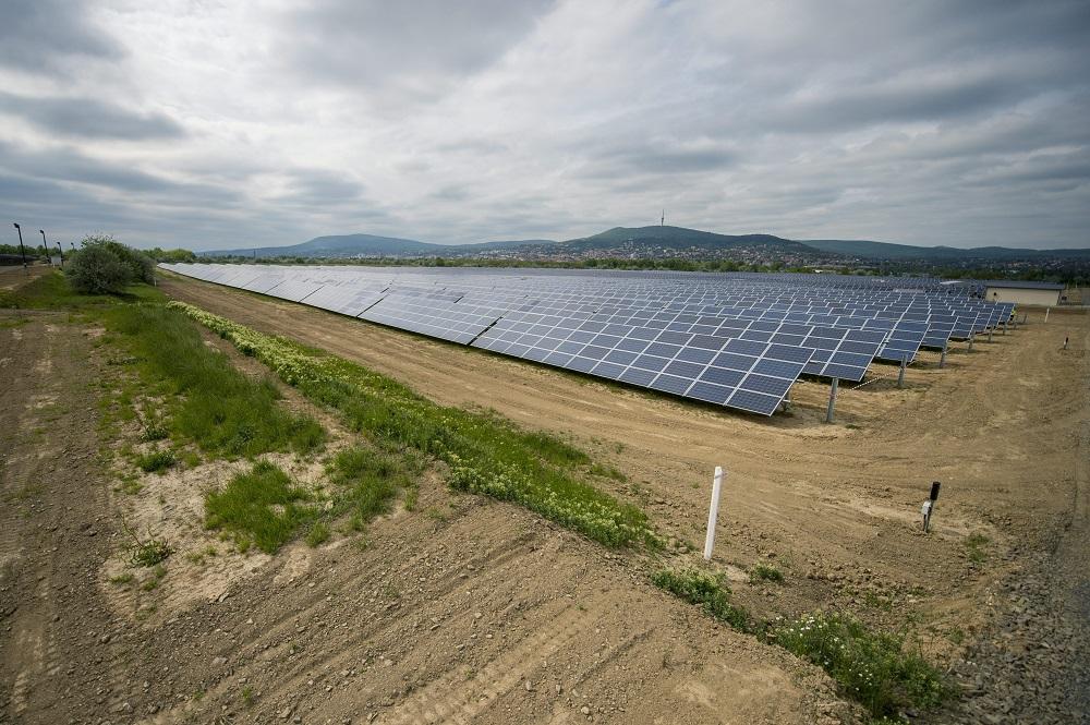 6 milliárd forintot ad a kormány két fotovoltaikus erőműre