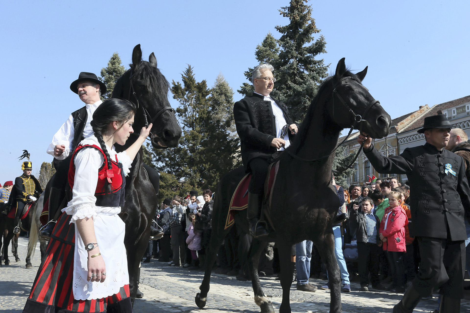 Semjén Zsolt terjesztette fel Bayer Zsoltot a lovagkeresztre