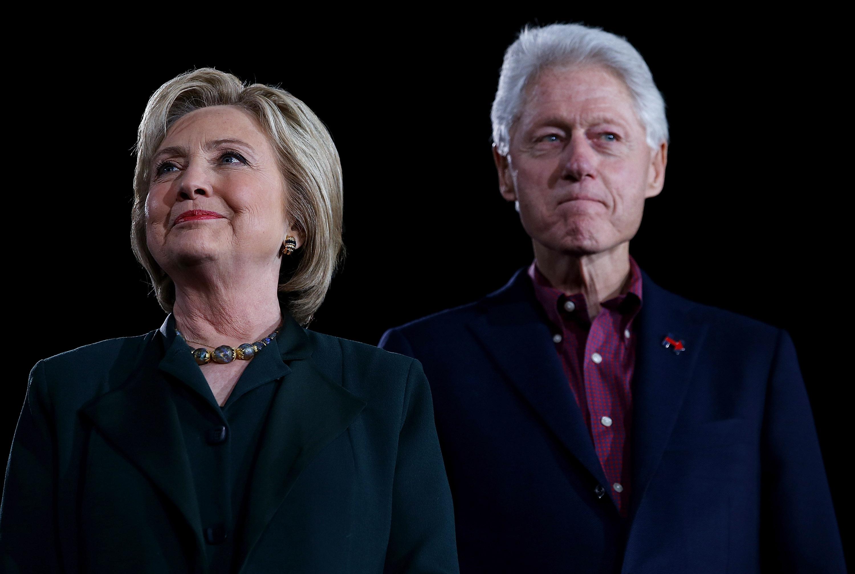 Bill Clinton: Magyarországnak elege lett a demokráciából, Putyin-szerű vezetést akar