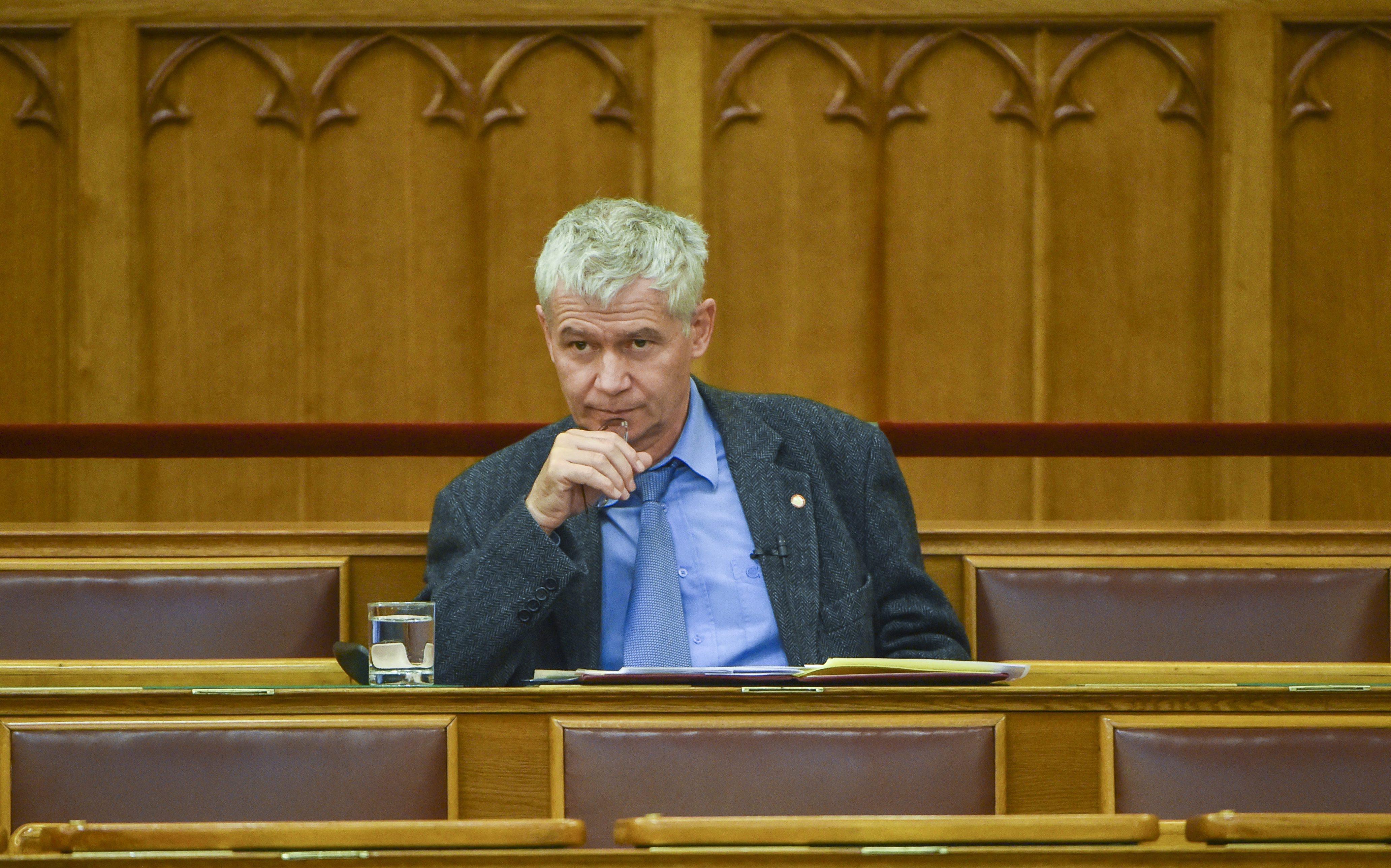 A Nemzeti Választási Bizottság nem engedi, hogy bármilyen népszavazás legyen Polt Péterrel kapcsolatban
