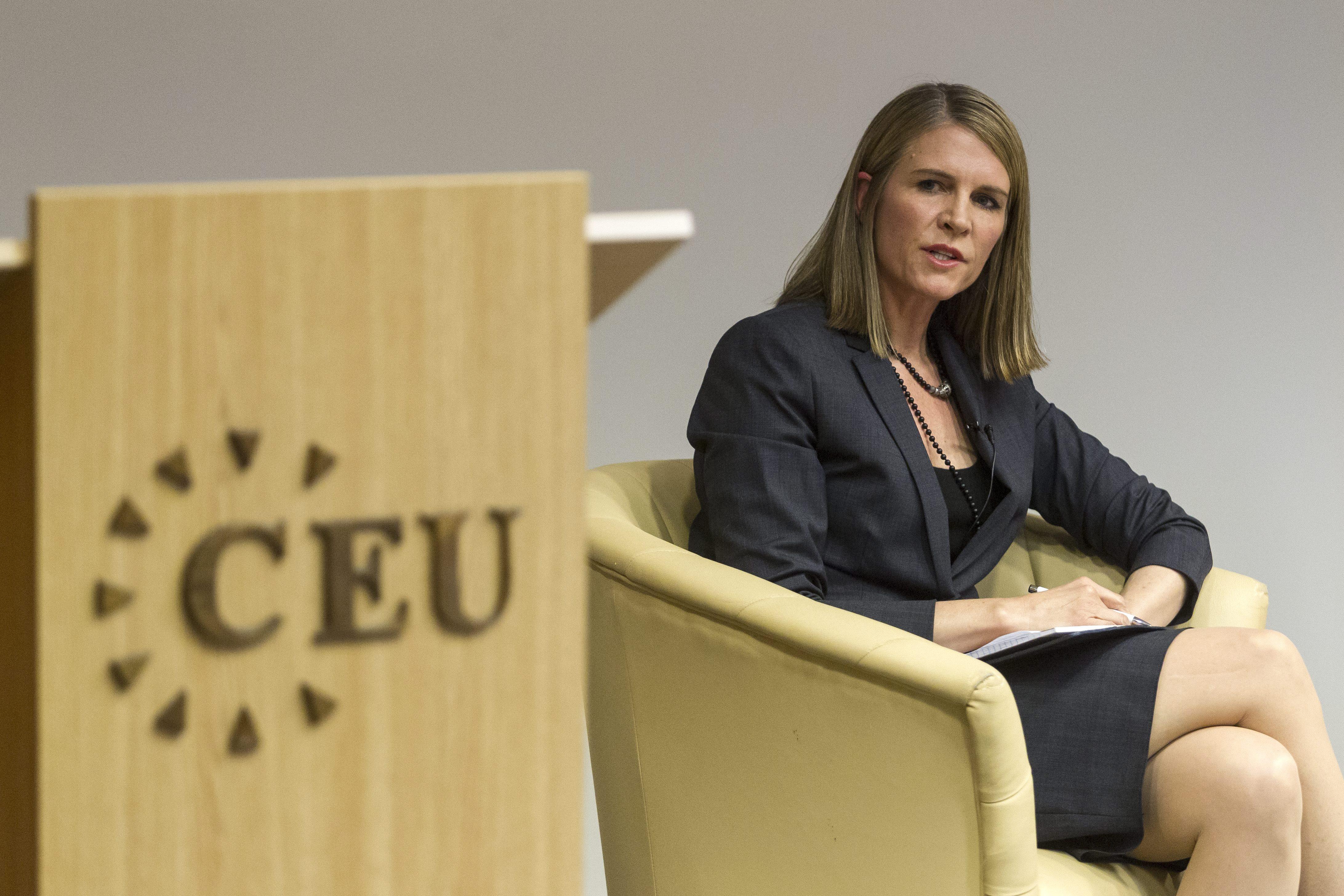 Colleen Bell: Magyarországon a korrupció aggasztja az embereket
