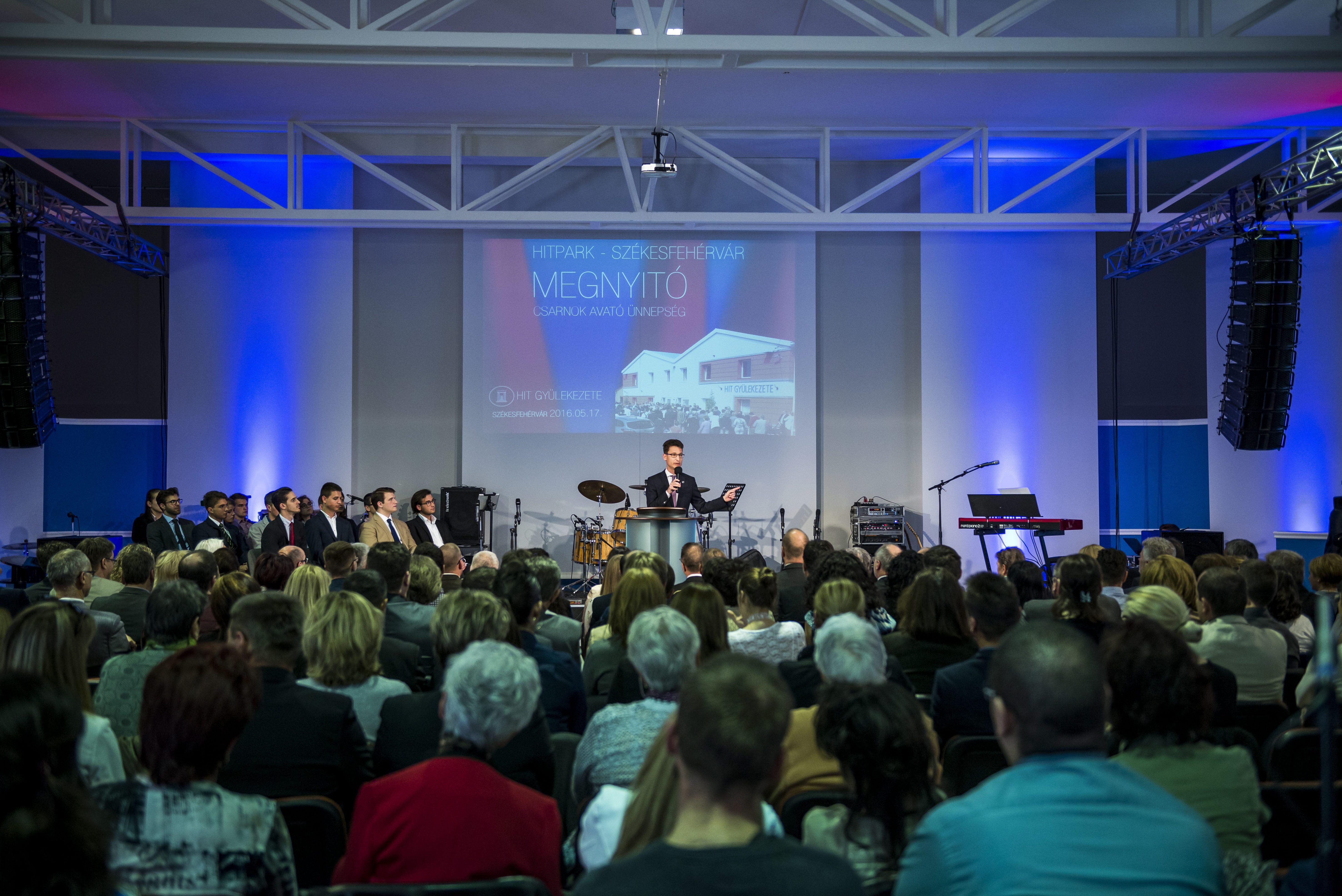Több mint 750 milliót kapott a Hit Gyülekezete a kormánytól