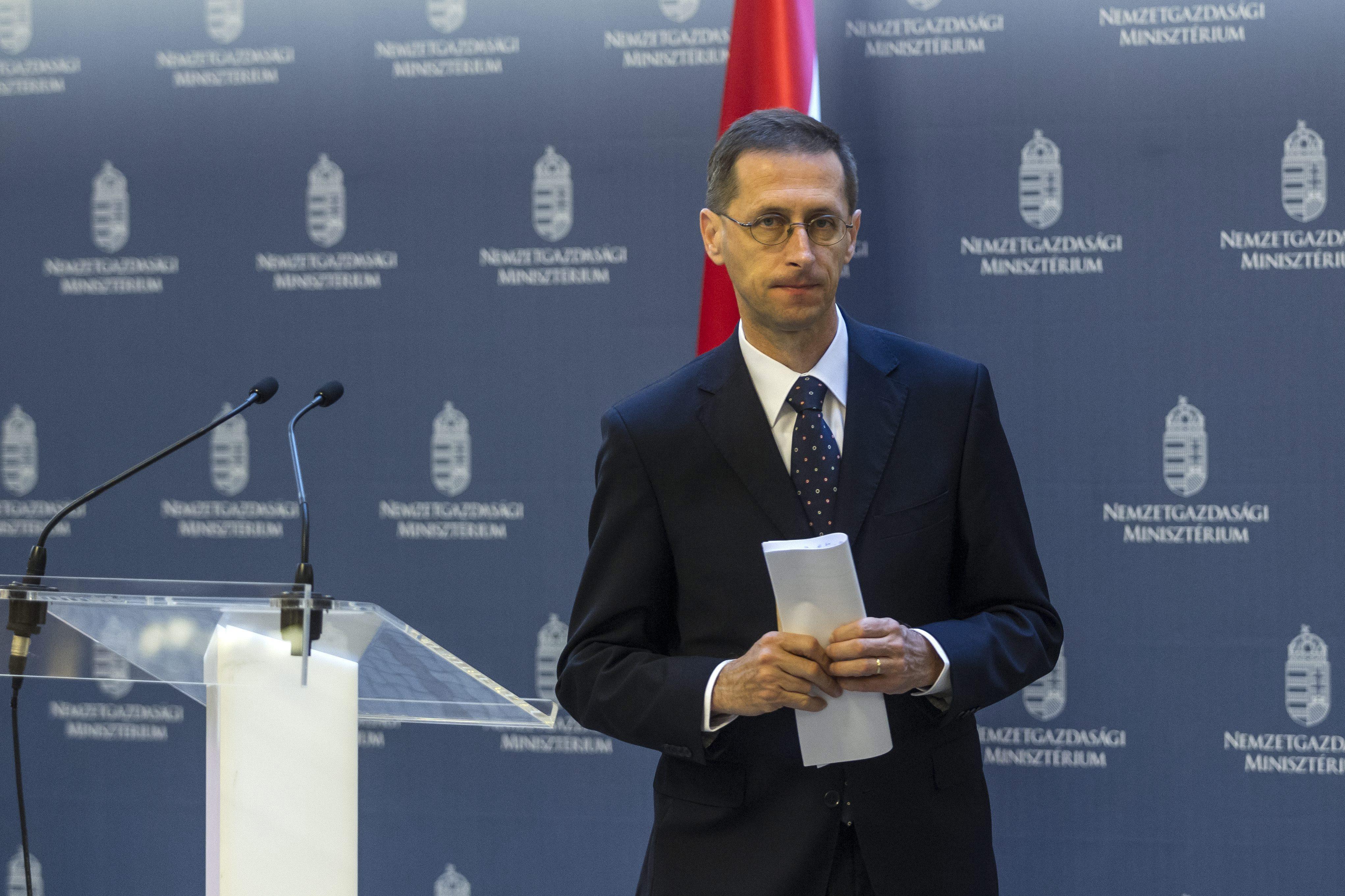 Varga Mihály elismerte, hogy a letelepedési kötvényen tulajdonképpen bukik az állam