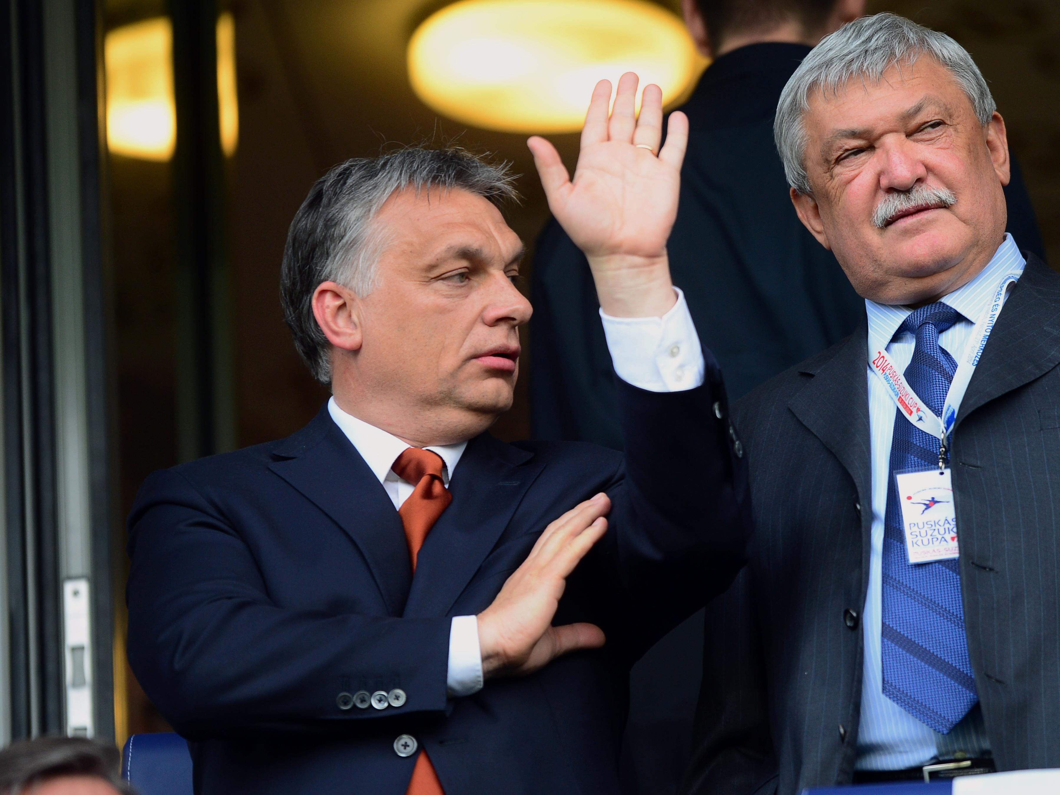 """Deutsch Tamás szerint """"életszerű"""", hogy Orbán Viktor a saját zsebéből fizeti a magánrepülőzést"""