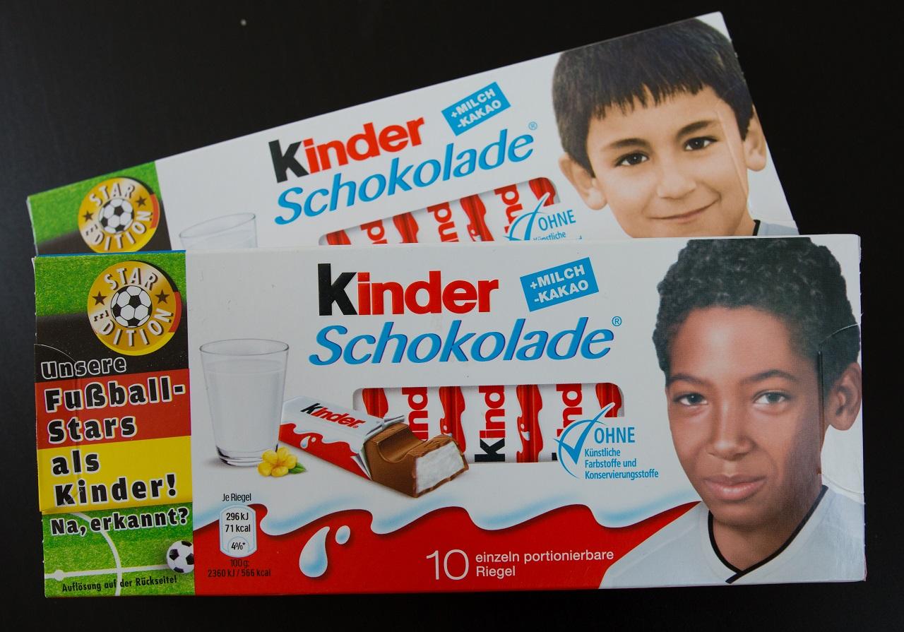 Kiborult a német szélsőjobb, mert nem szőke a gyerek a Kinder-szeleten