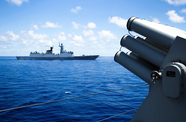 Nagy-Britannia hadihajókat küld a Dél-kínai-tengerre