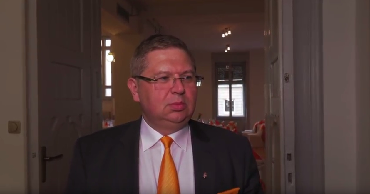 Orbán Ráhel ügyvédje nyerte a Miniszterelnökség 5 milliárdos közbeszerzését
